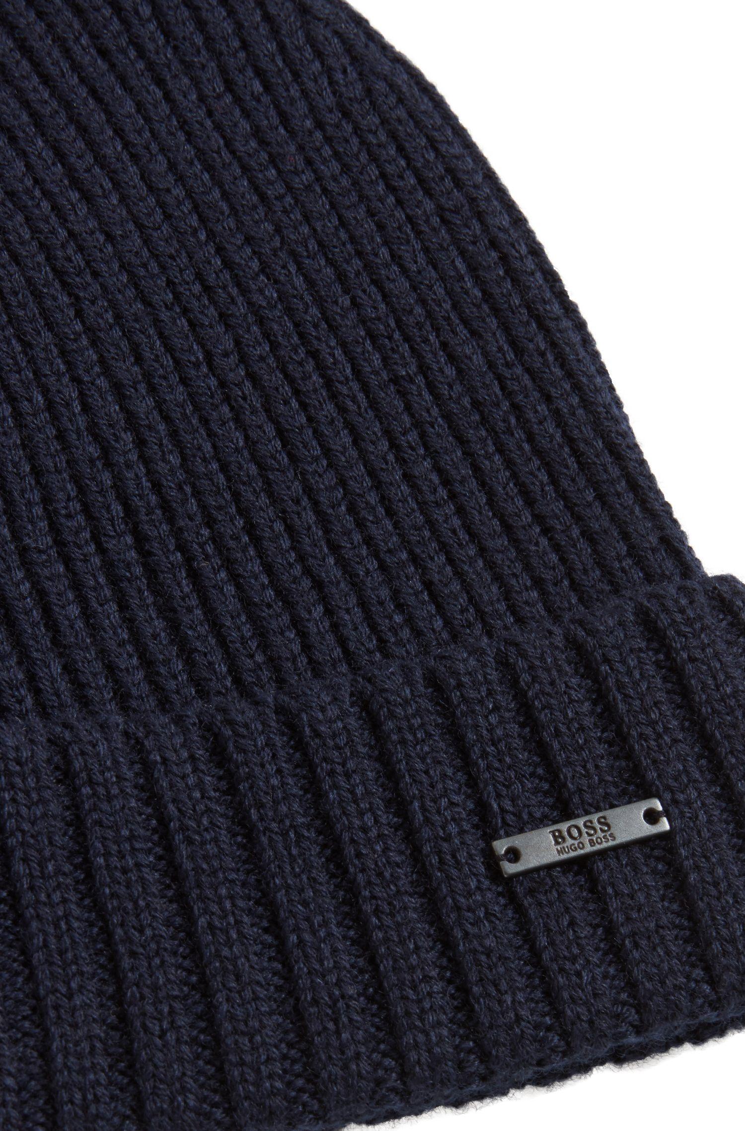 Bonnet en maille de laine vierge avec plaquette en métal, Bleu foncé