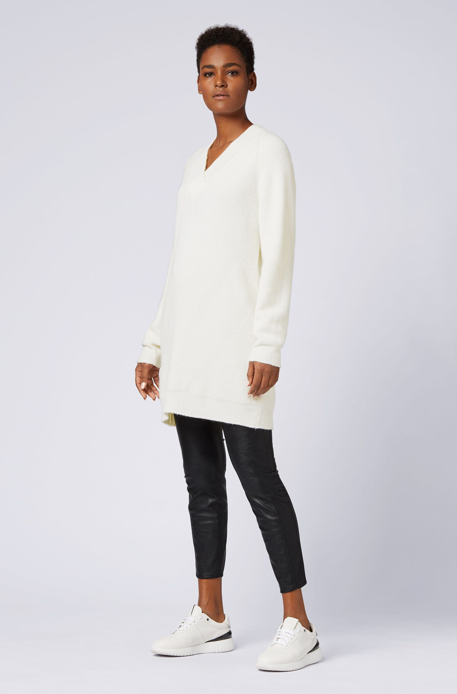 Oversized-fit knitted dress with V neckline, Natural