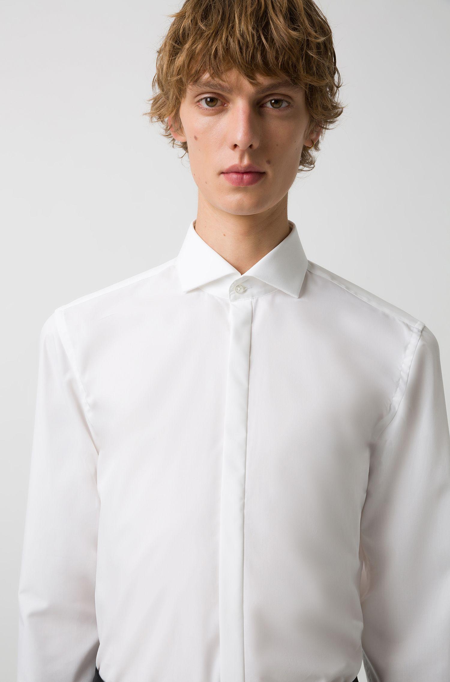 Slim-Fit Hemd aus Baumwolle mit Umschlagmanschetten und Cutaway-Kragen, Weiß