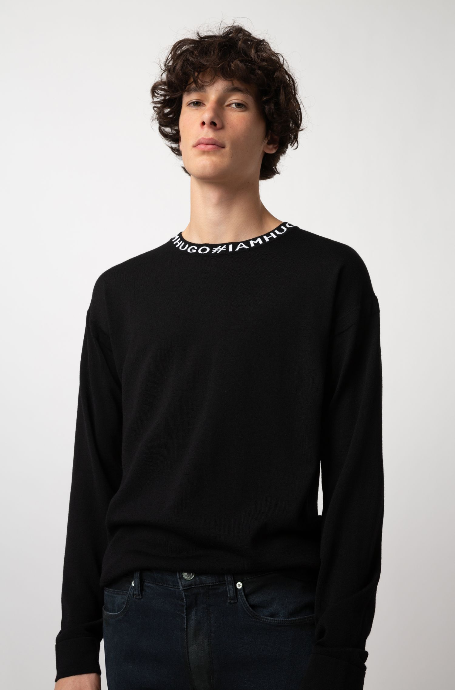Oversized-fit sweater in virgin wool with slogan intarsia, Black