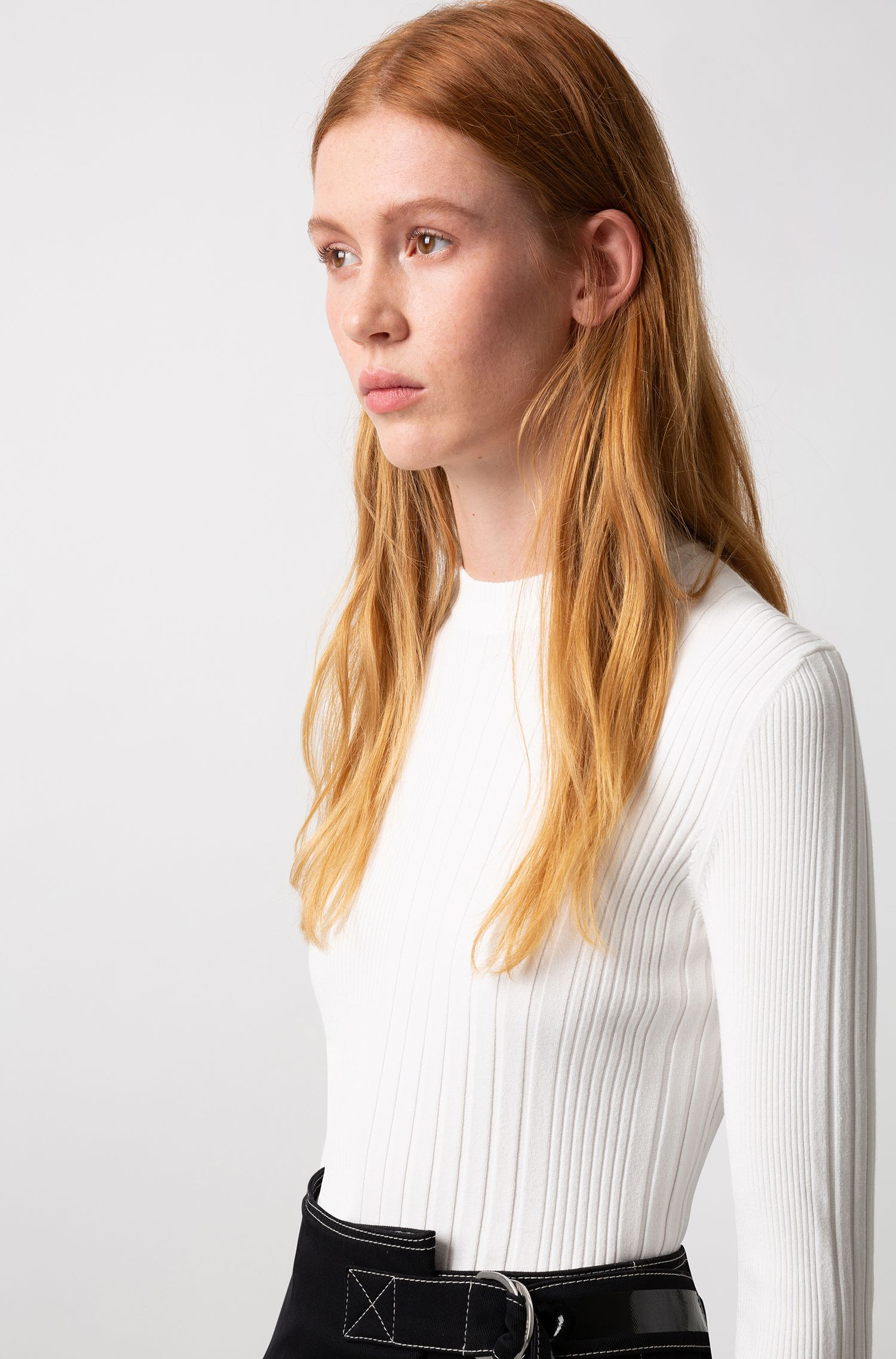 Slim-fit sweater in a ribbed knit, Natural