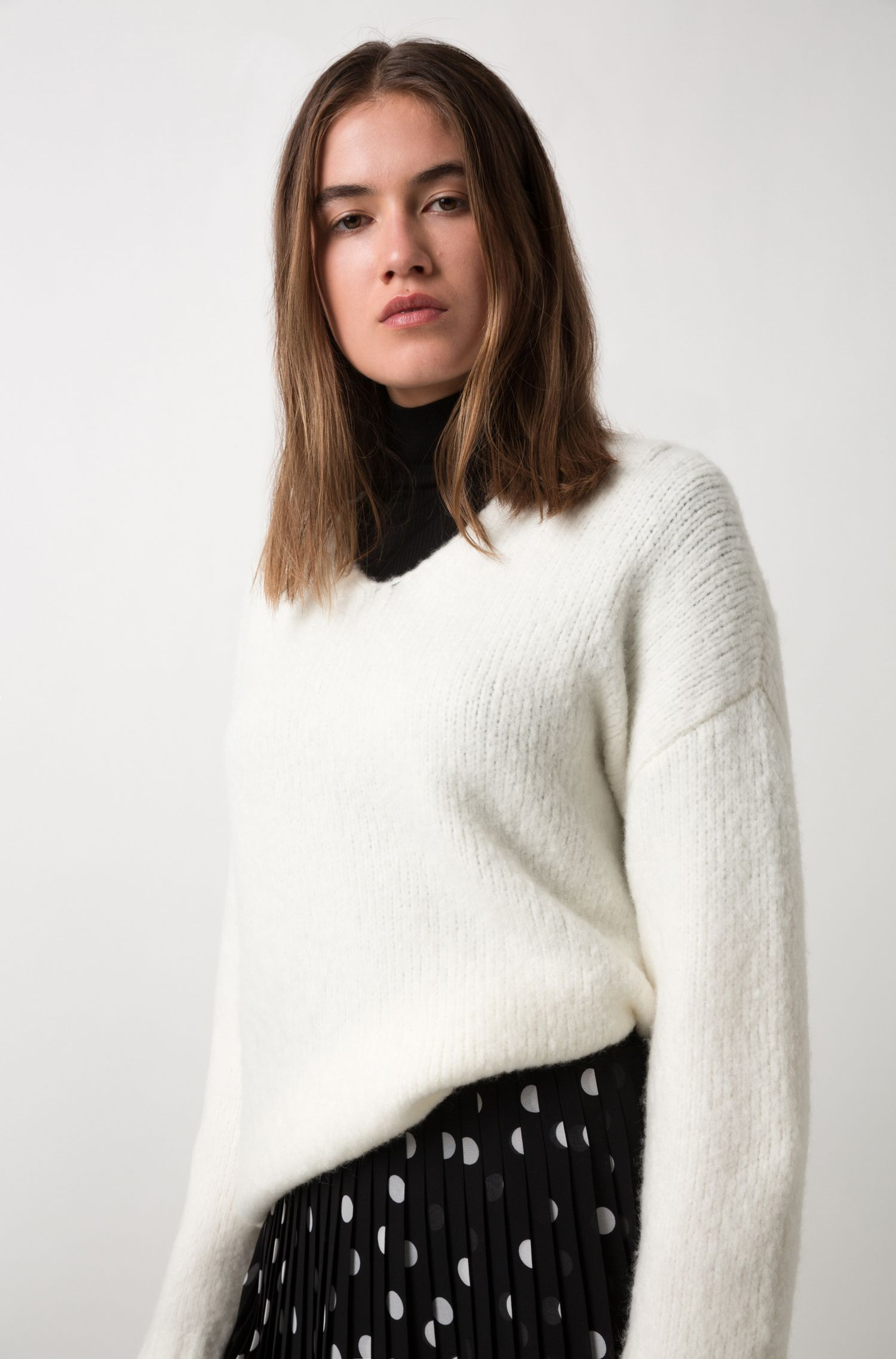 Pull Relaxed Fit en laine vierge mélangée stretch, Chair