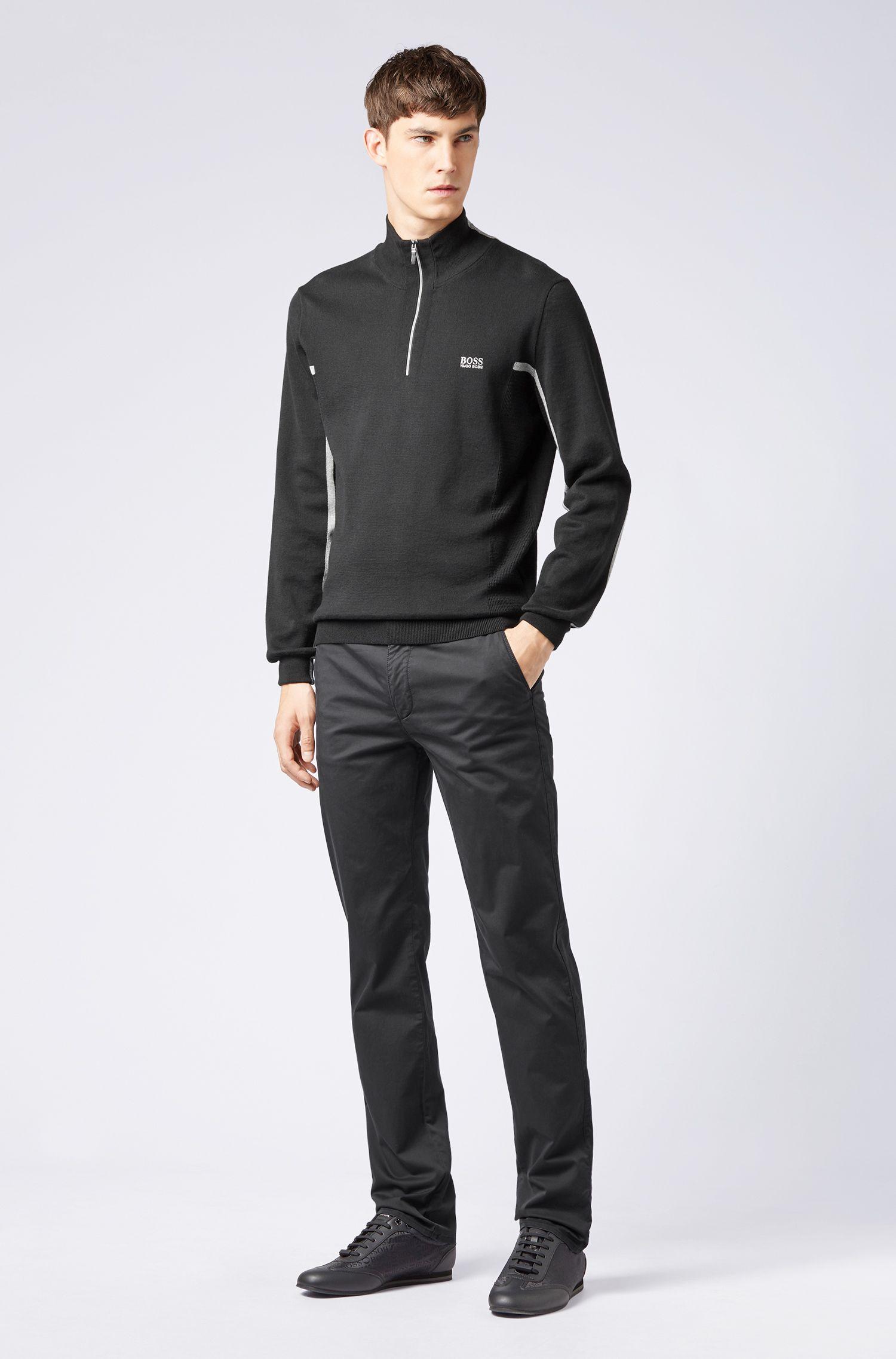 Slim-Fit Chino aus weich angerauter Stretch-Baumwolle, Schwarz