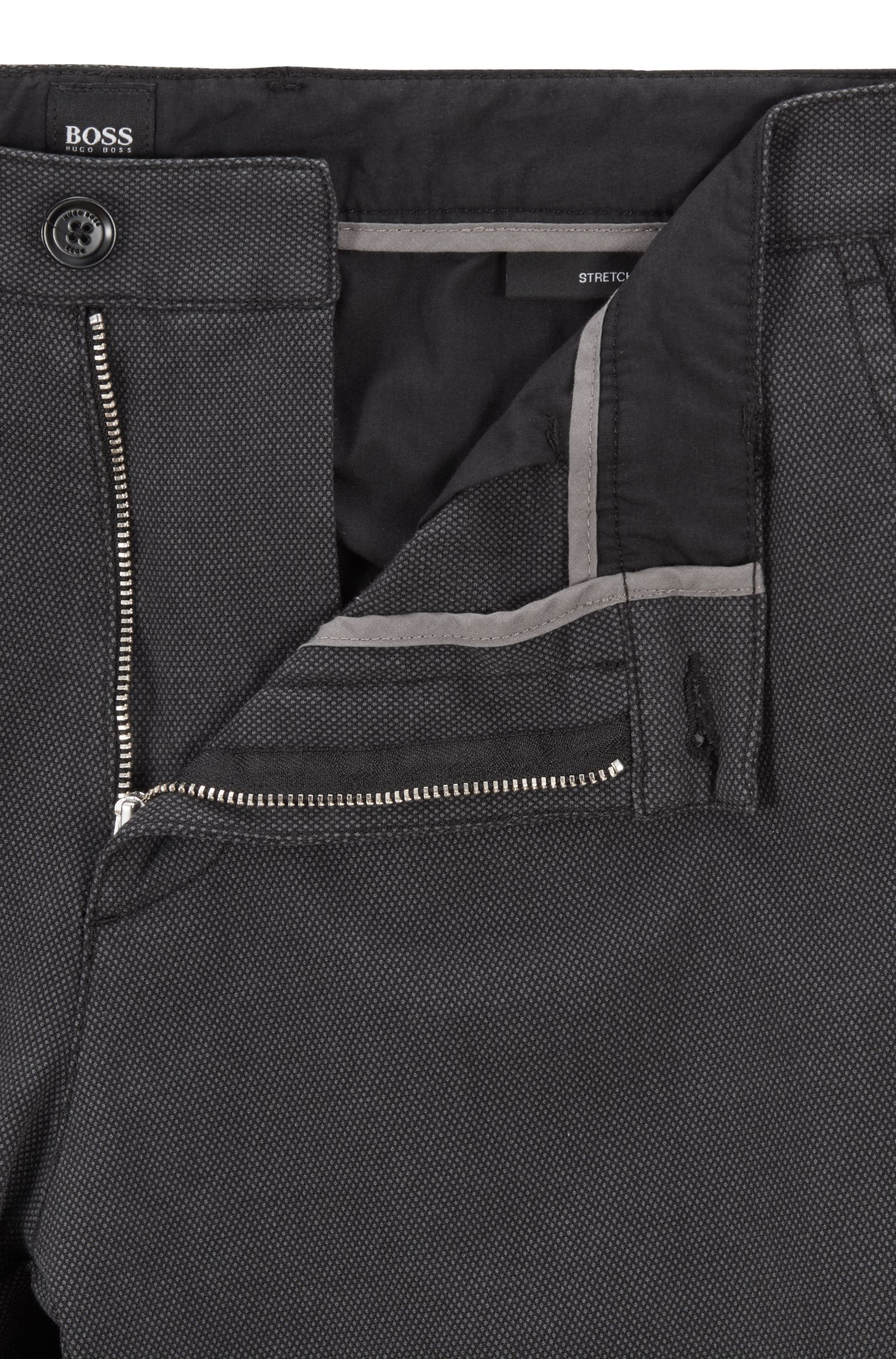 Regular-Fit Chino aus Stretch-Baumwolle mit dezenter Struktur, Schwarz