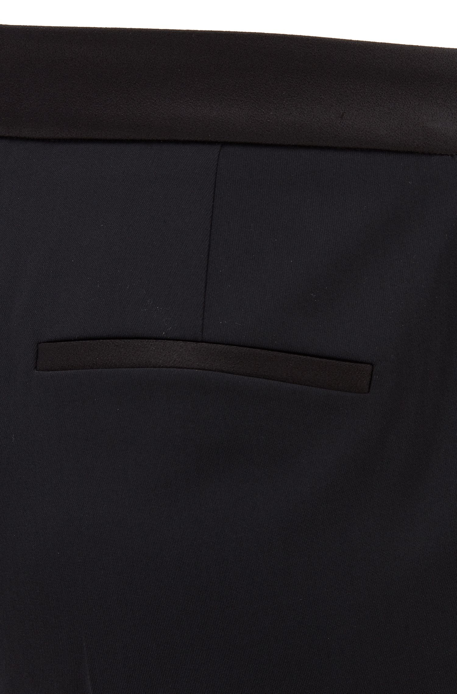 Pantalon met hoge taille en satijnen accenten, Zwart