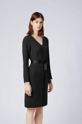 c0cde22e0f32 Kleid aus Krepp mit V-Ausschnitt und langen Ärmeln