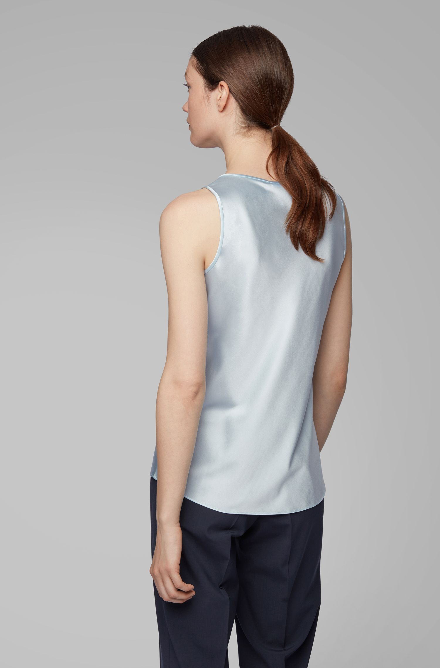 Scoop-neck sleeveless top in stretch silk, Light Blue