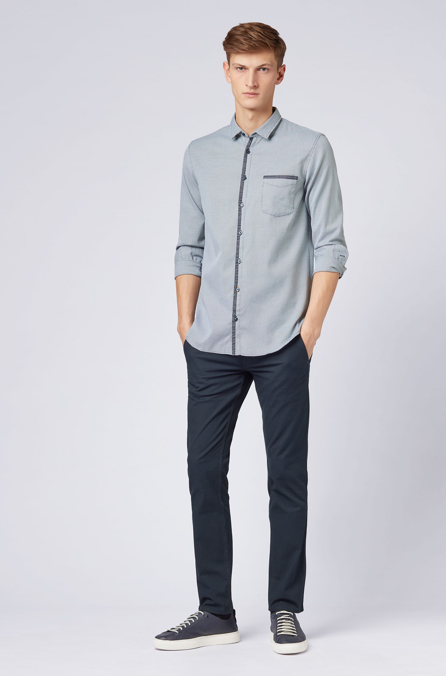 Chemise Slim Fit en coton façonné stretch avec finitions en mesh, Bleu foncé