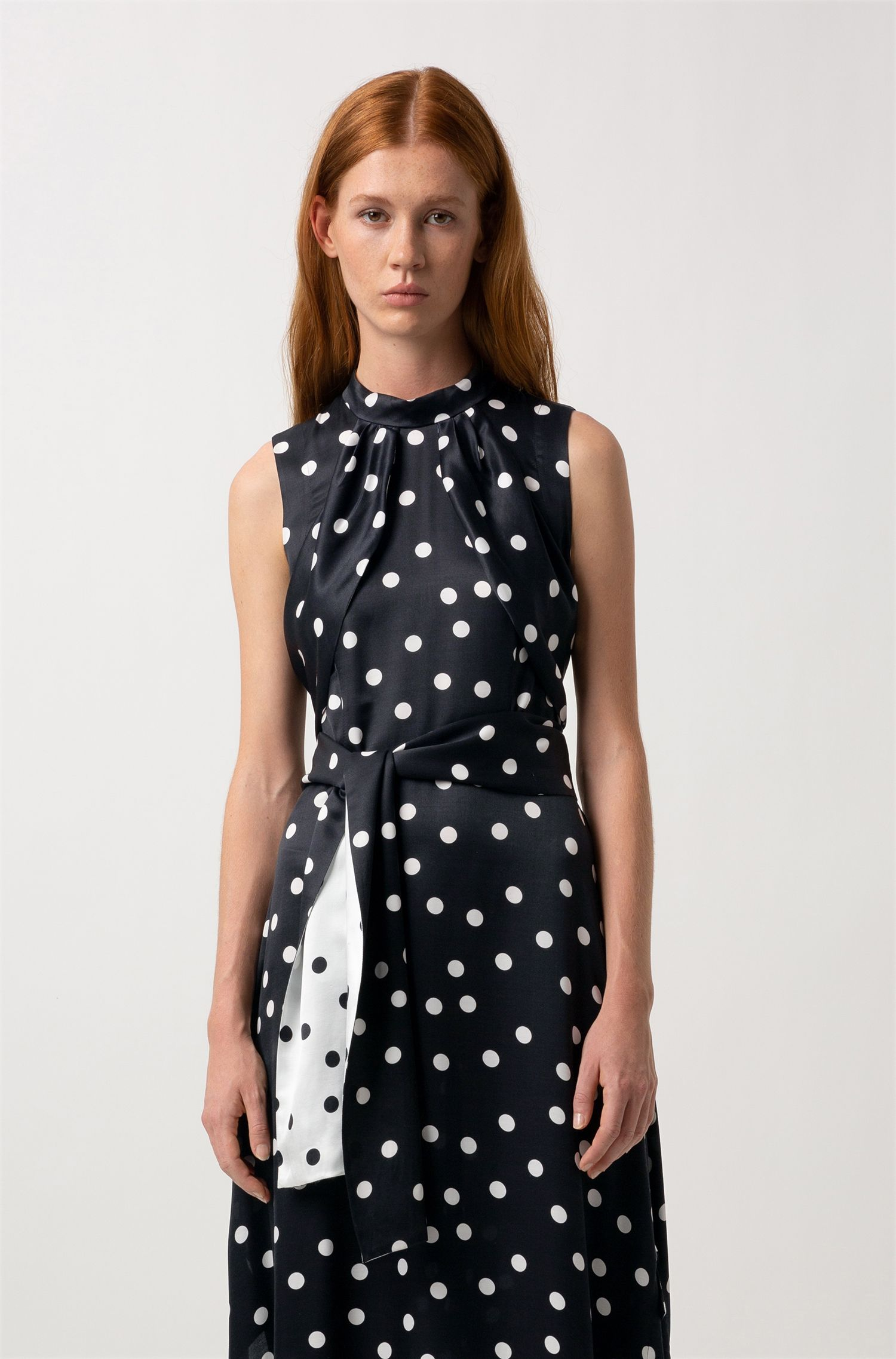 Sleeveless polka-dot dress with two-tone belt, Patterned