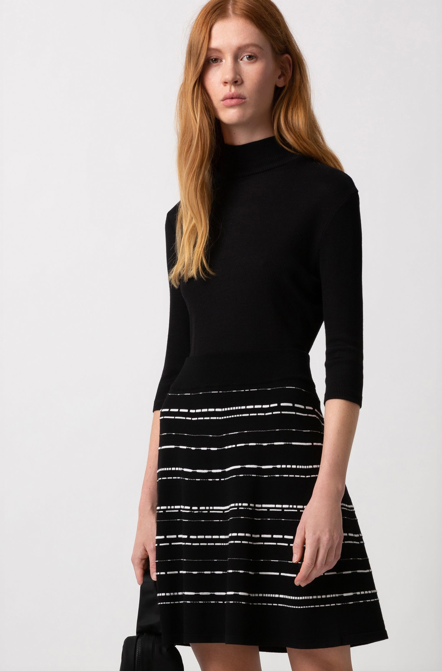 A-line skirt in a super-stretch structured knit, Patterned