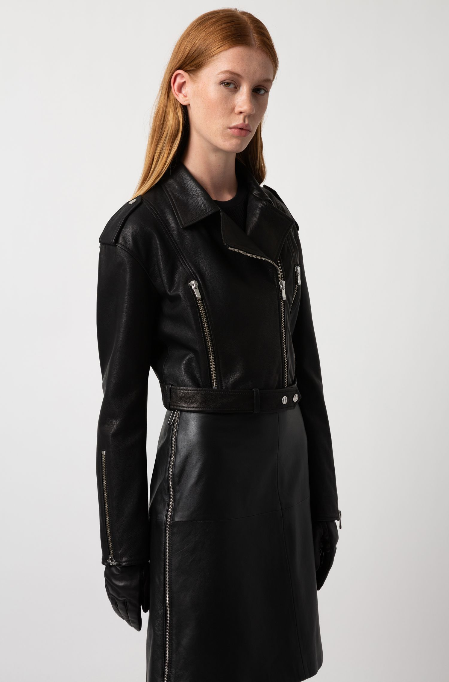 Regular-fit A-line skirt in lambskin with side zip, Black