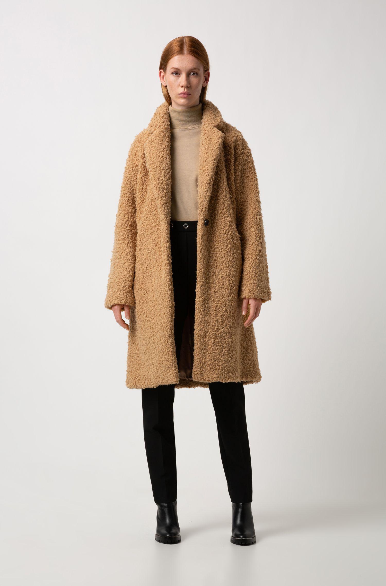 Abrigo de corte ovalado en tejido de peluche, Marrón claro