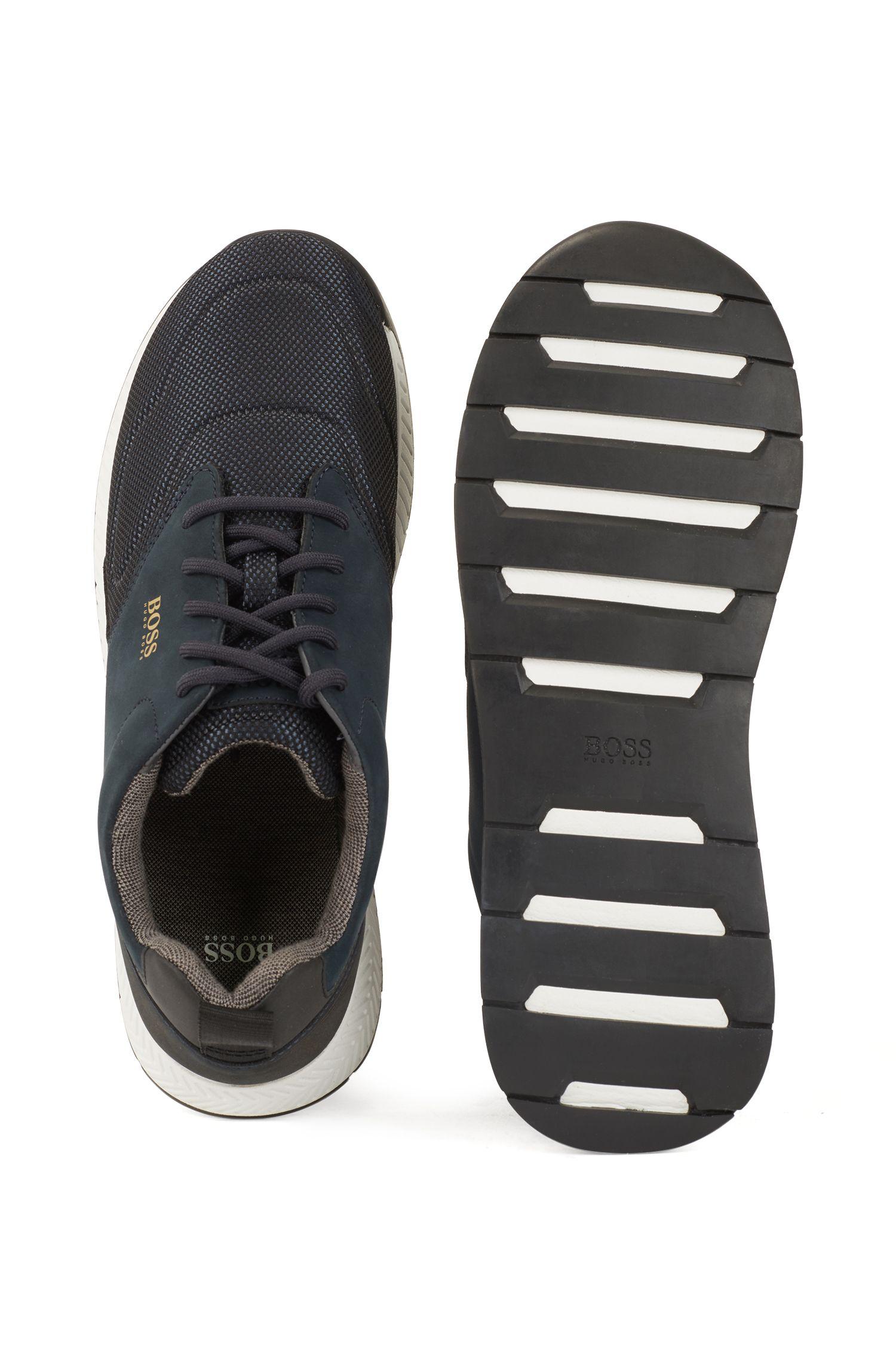 Baskets en nubuck et tissu technique inspirées des chaussures de course, Bleu foncé