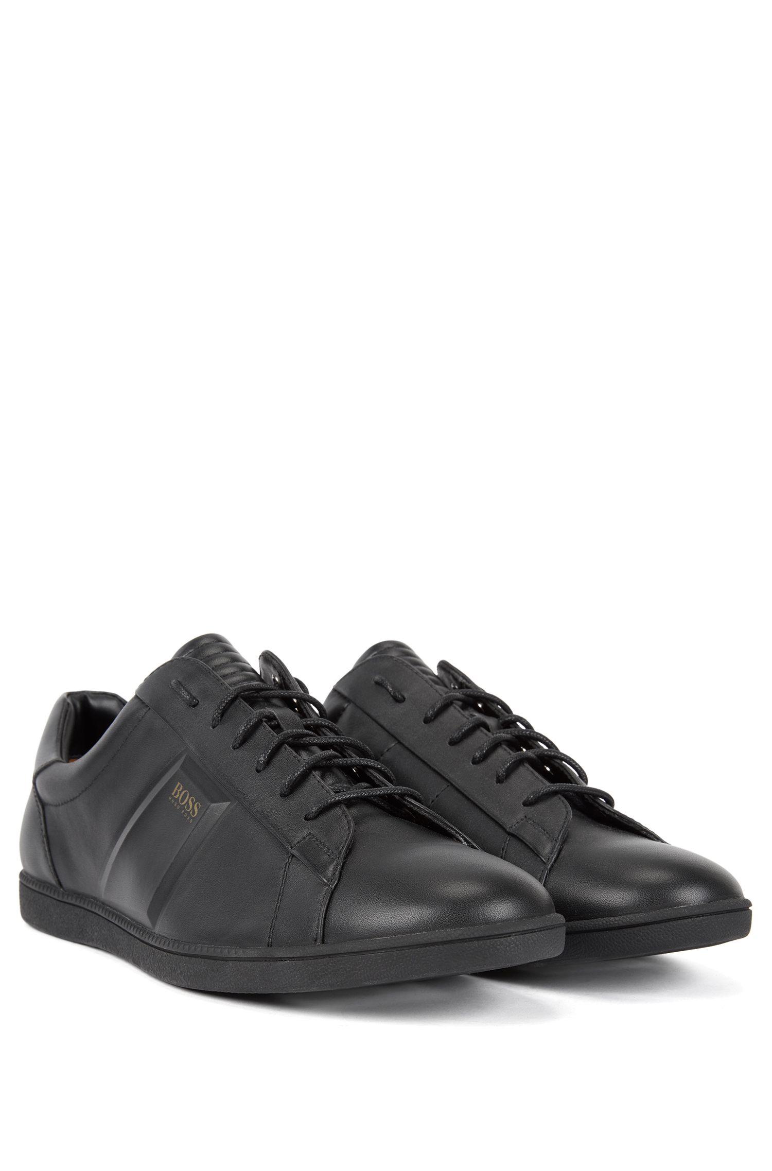 Sneakers low-top in nappa con dettagli a rilievo, Nero