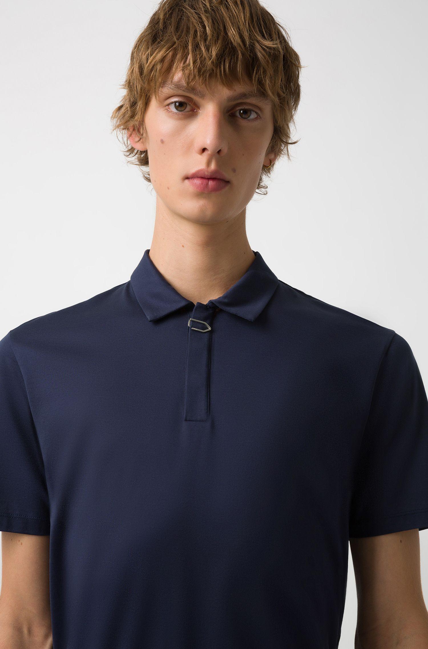 Polo regular fit de algodón con detalle de clip, Azul oscuro