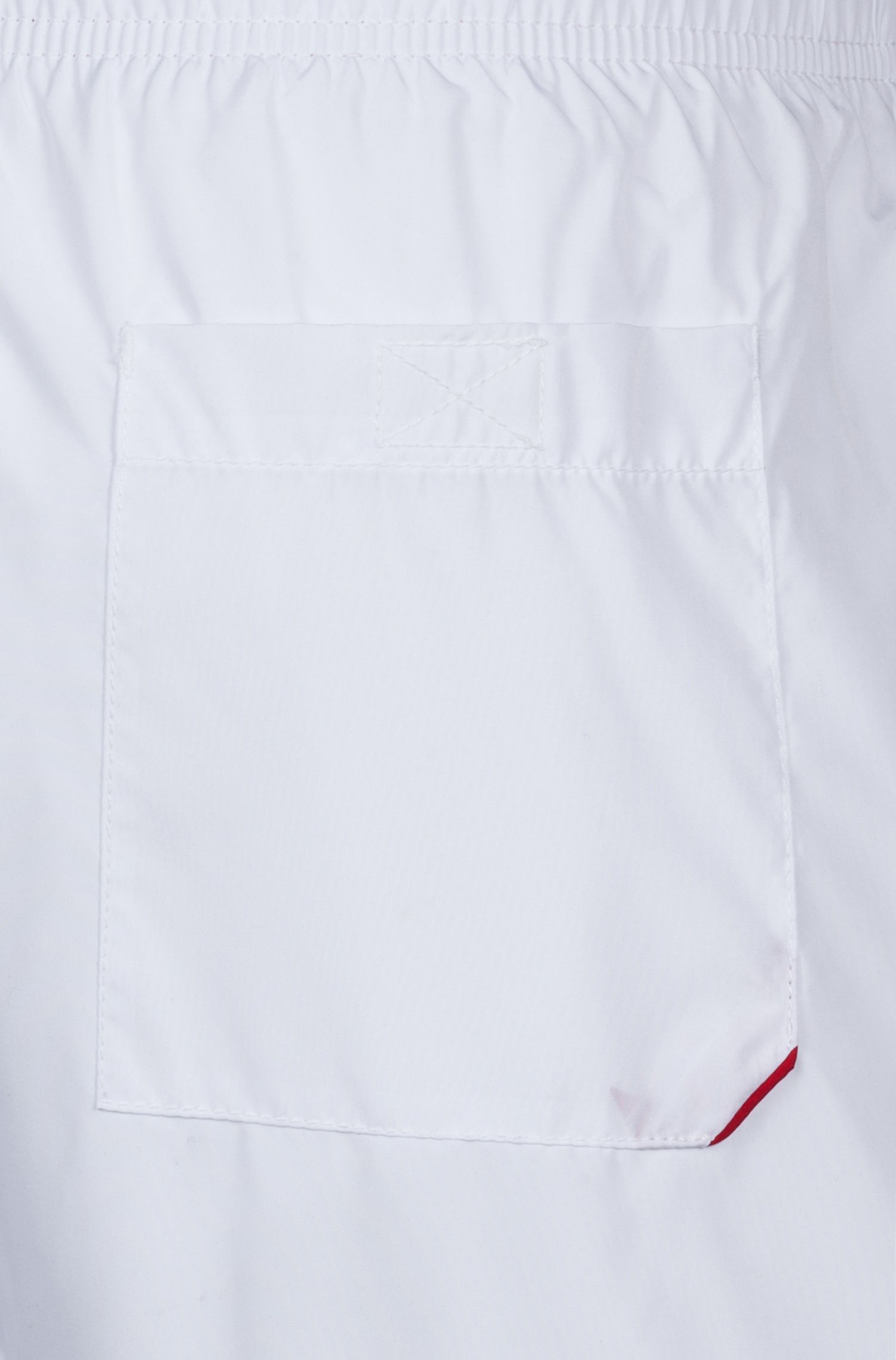 Schnelltrocknende Badeshorts mit kontrastfarbenem Innenfutter, Weiß
