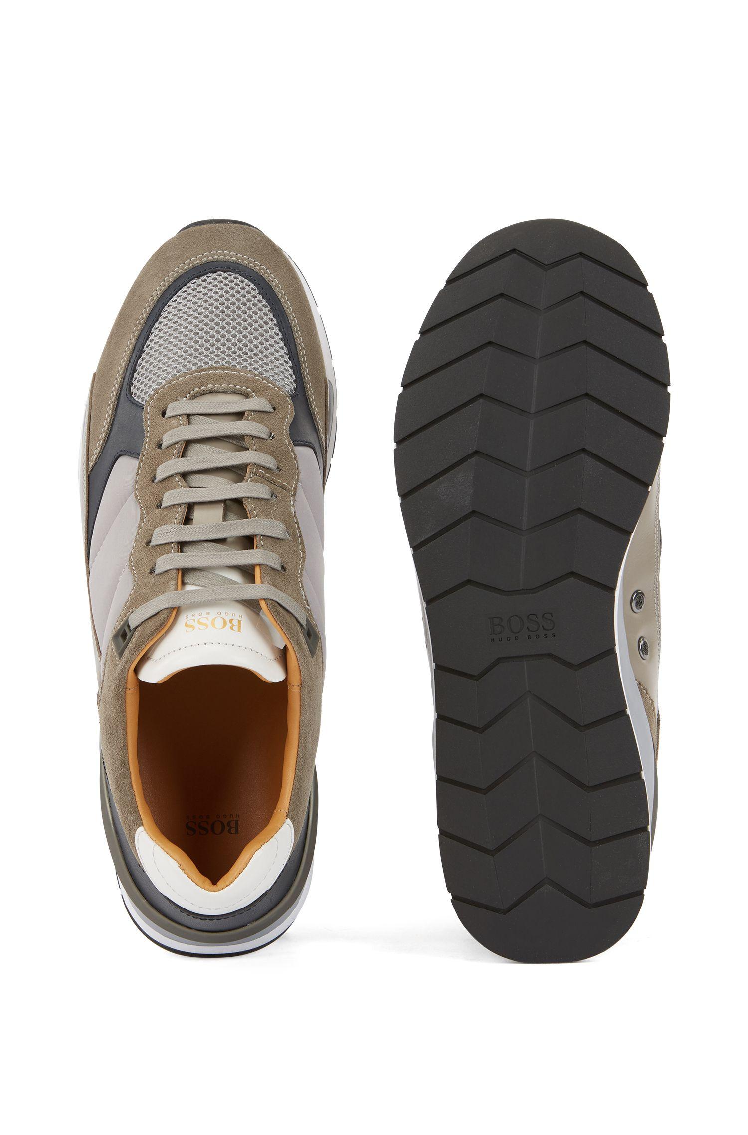 Sneakers aus Leder und Material-Mix mit Mesh-Details, Grau