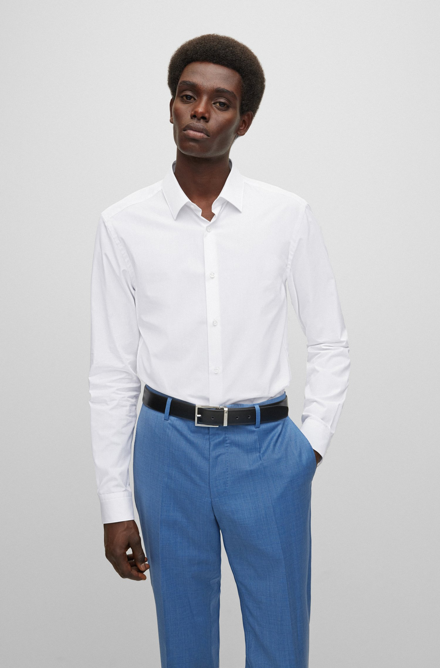 Slim-fit shirt in cotton with mother-of-pearl buttons, White