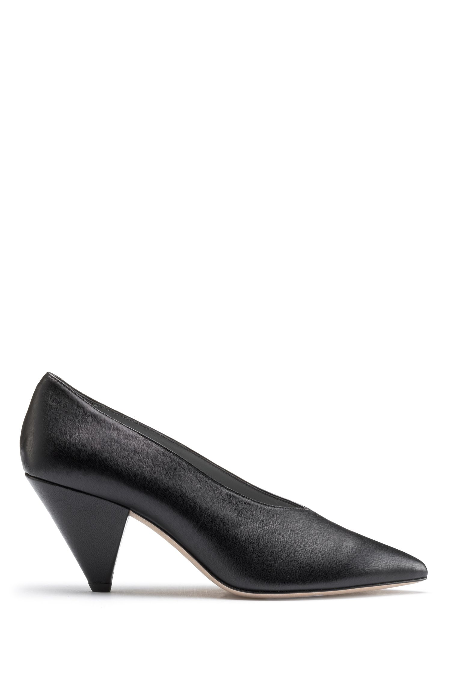 V-front pumps in lambskin leather, Black