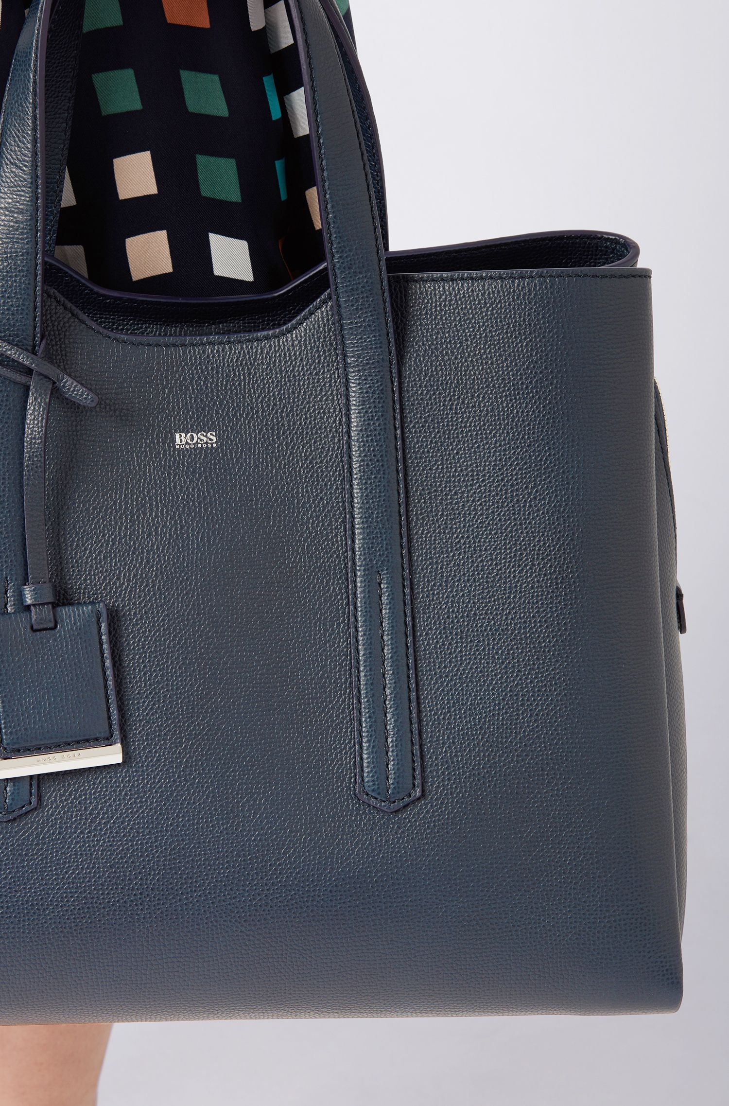 Soft tote bag in grainy Italian leather, Dark Blue