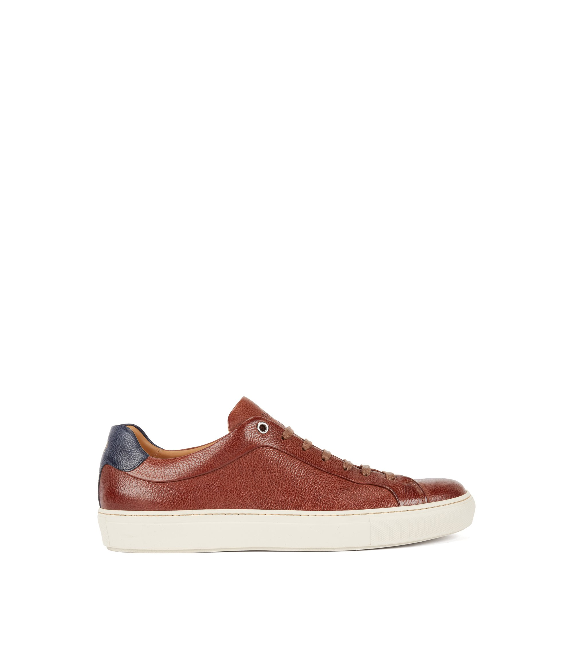 Baskets de style tennis en cuir de veau grainé, Marron