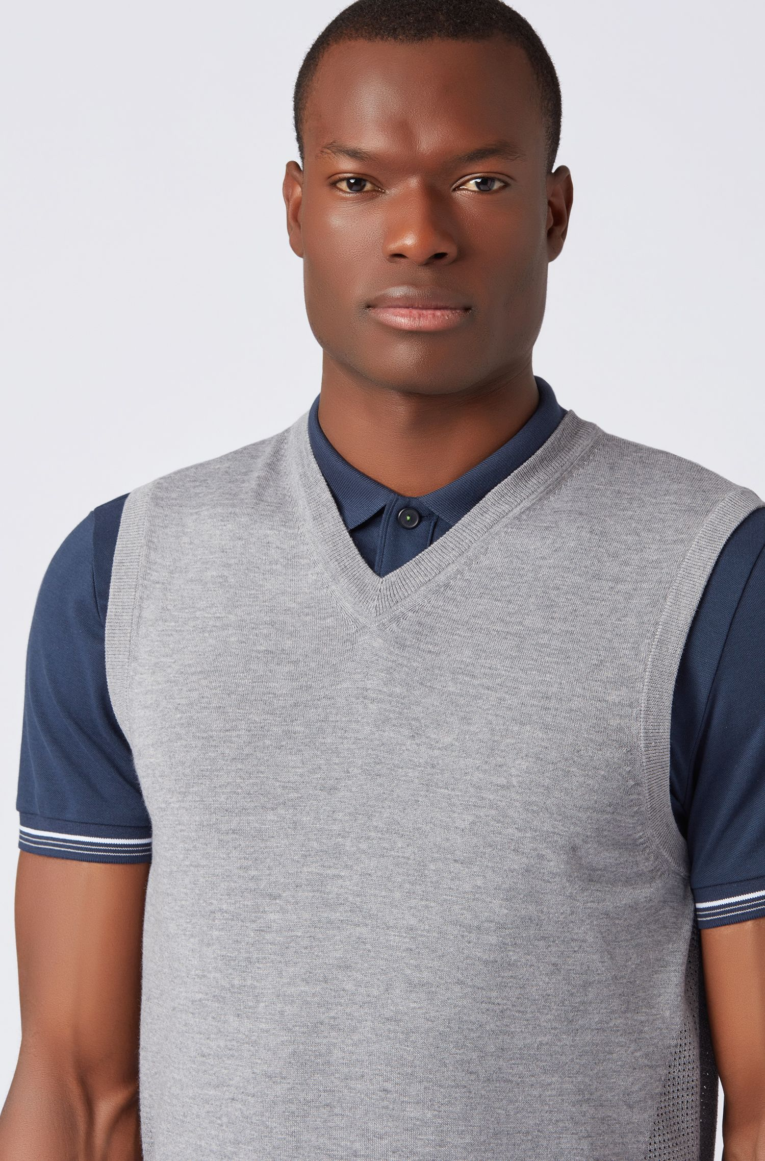 Chaleco jersey de lana repelente al agua con detalles de malla, Gris claro