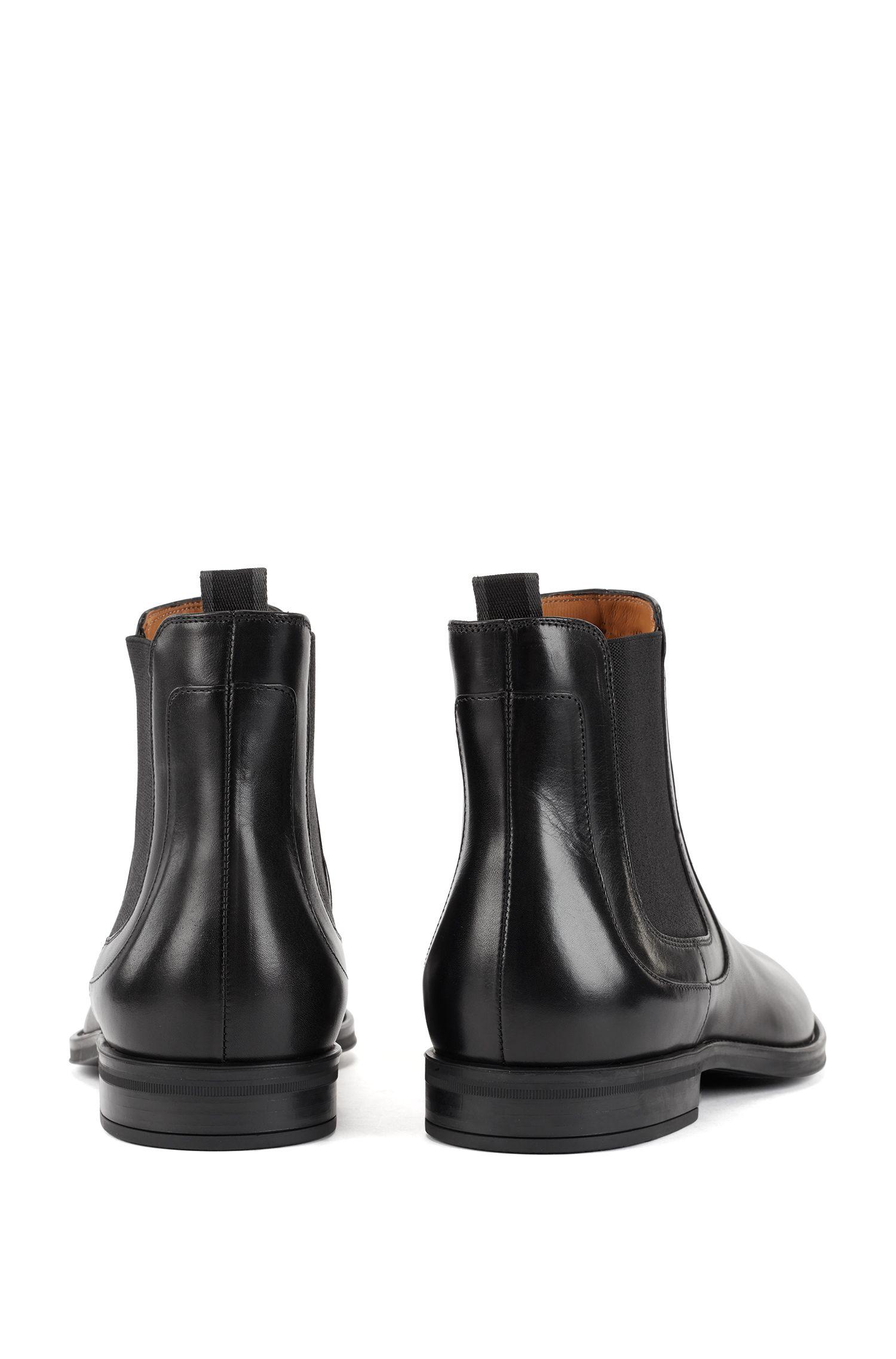 In Italien gefertigte Chelsea Boots aus poliertem Leder, Schwarz
