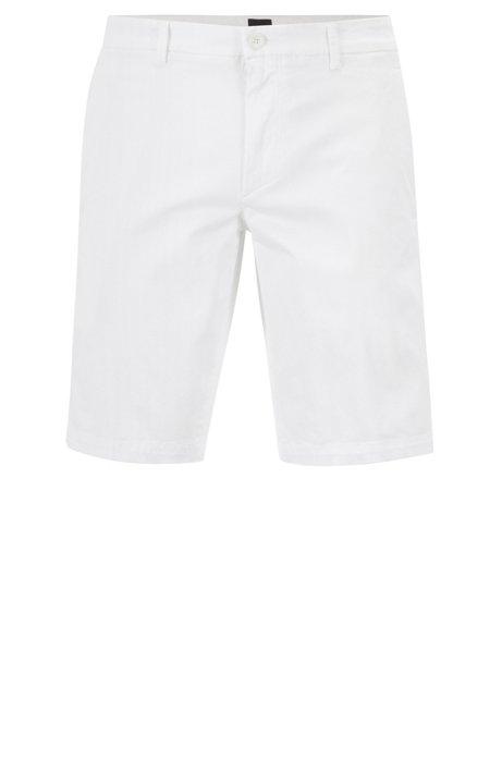 Slim-Fit Shorts aus Stretch-Gewebe mit Satin-Haptik, Weiß