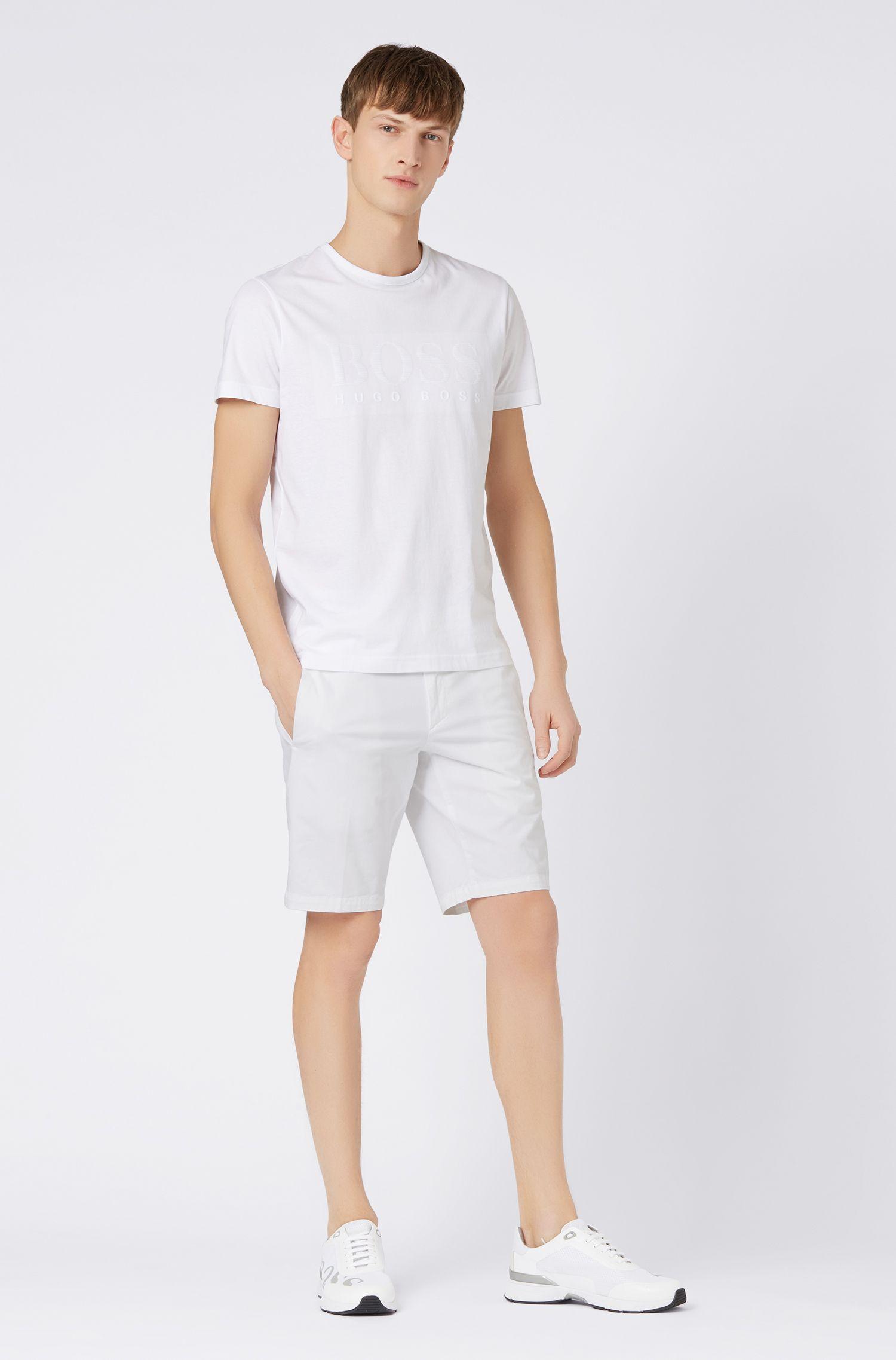 Shorts slim fit en tejido elástico con tacto satinado, Blanco