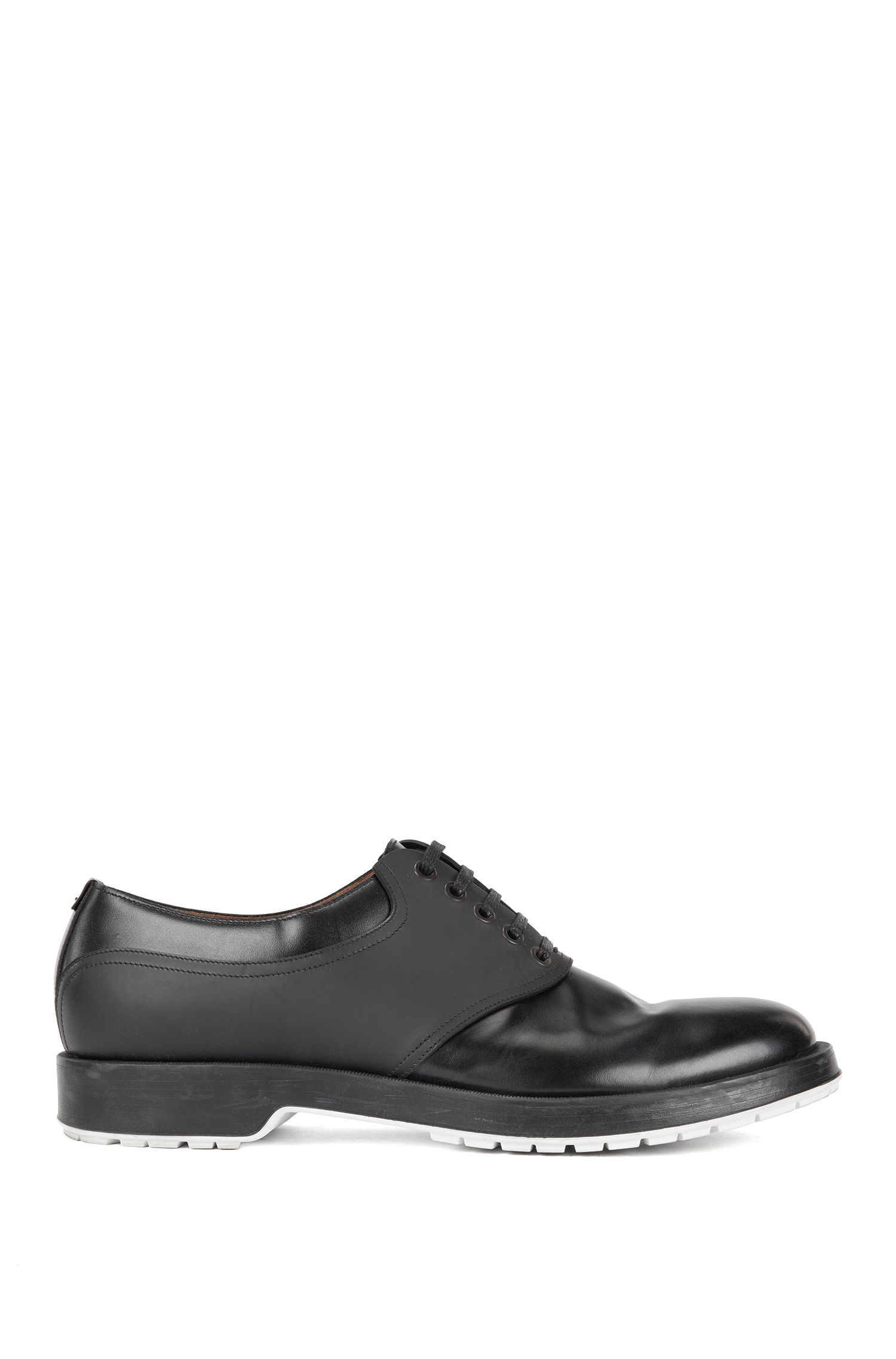 Derby shoes in brush-off leather with rubberised detail, Black