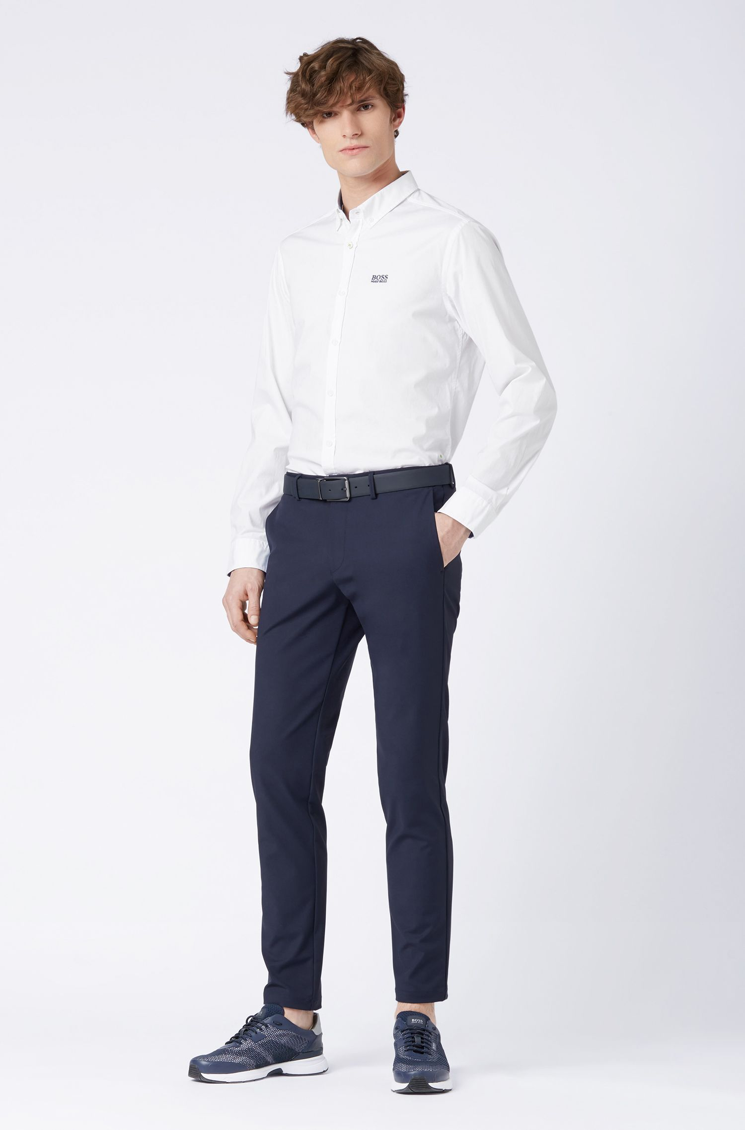 Regular-Fit Hemd aus feuchtigkeitsableitender Stretch-Baumwolle mit Button-Down-Kragen, Weiß