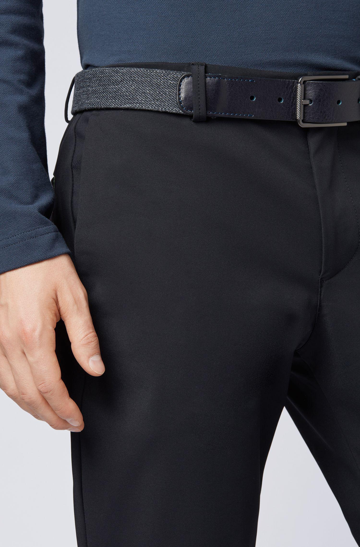 Stoffgürtel mit Lederbesätzen und tonalen Nähten, Grau
