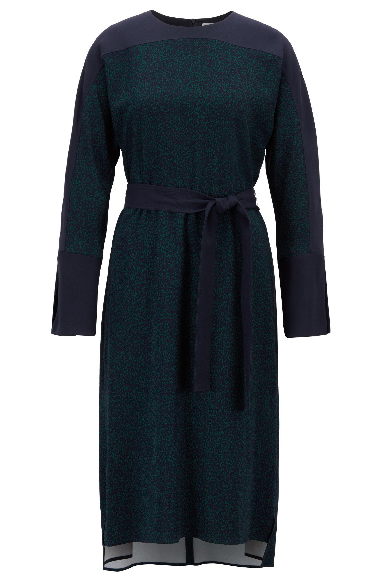 Robe ceinturée en tissu stretch au motif allover, Fantaisie