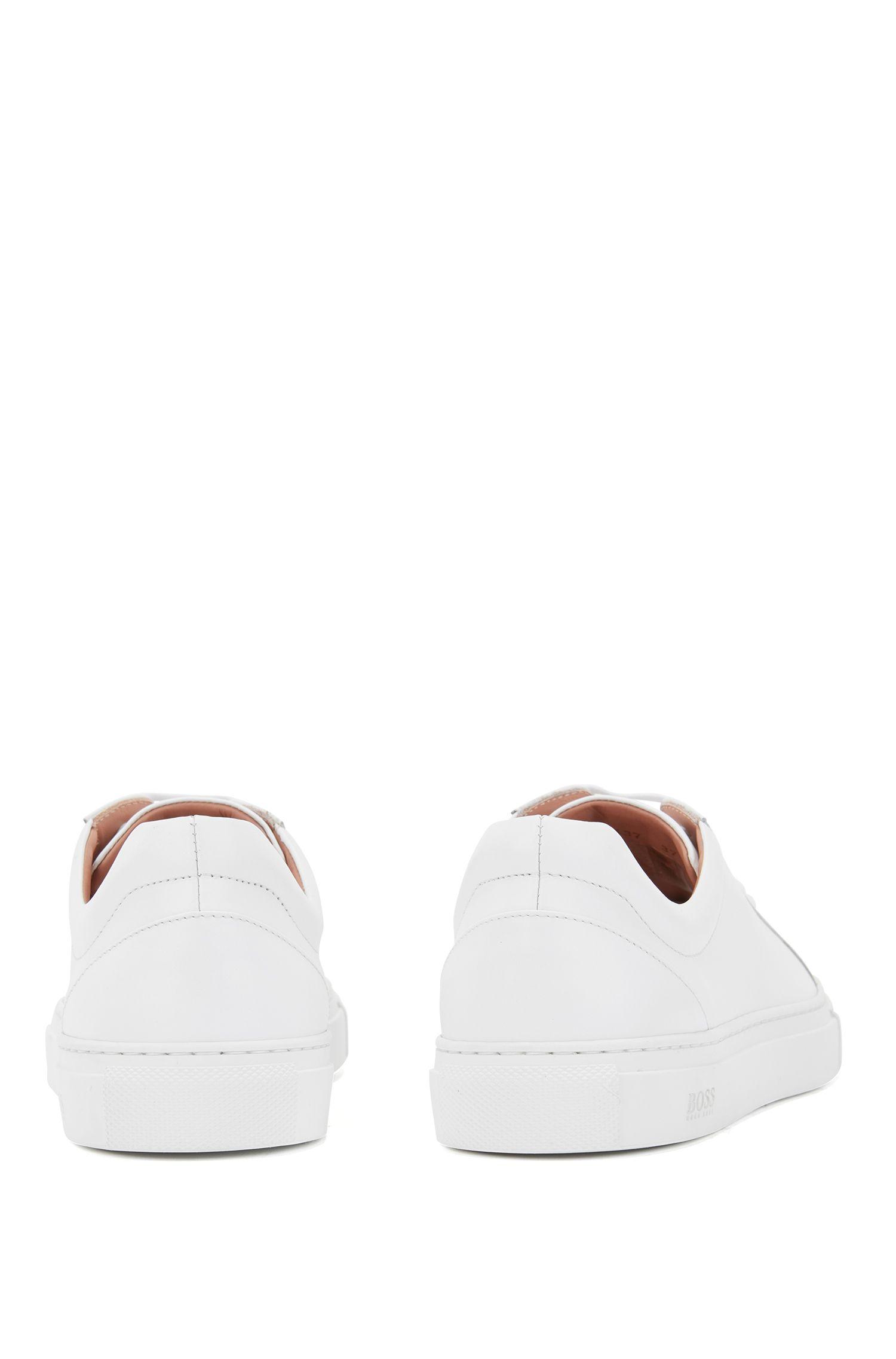 Sneakers low-top in pelle di vitello martellata realizzata in Italia