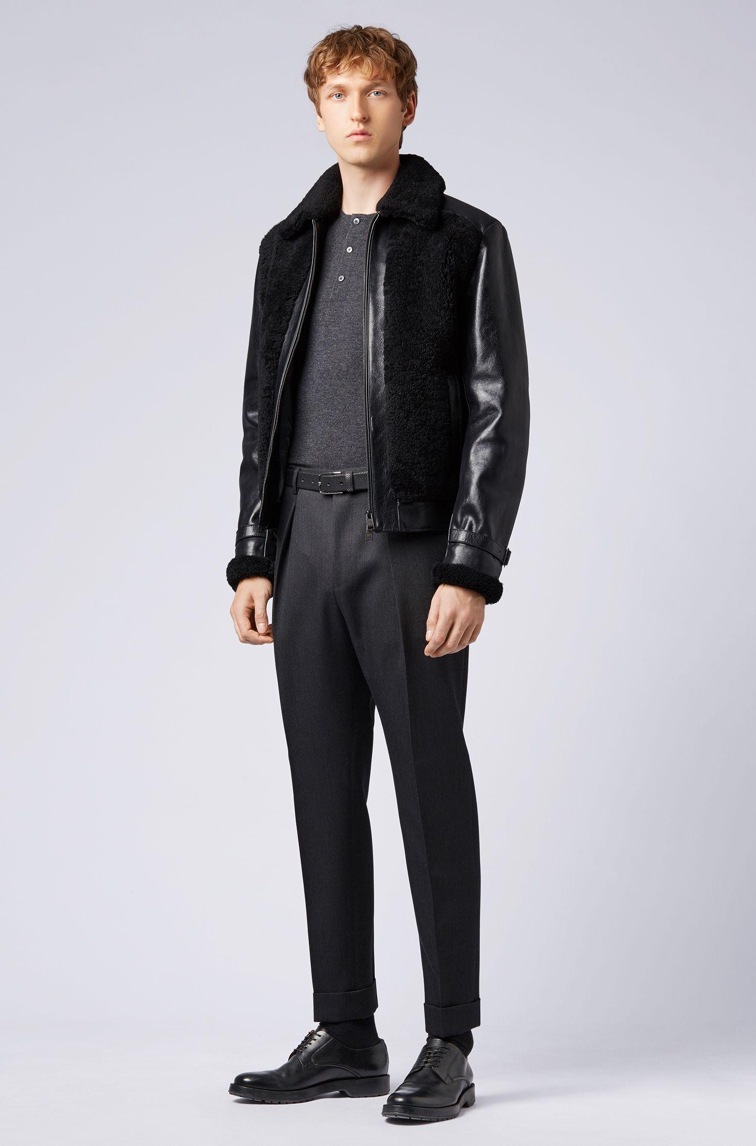 Kurzarm-Pullover aus Kaschmir mit Henley-Kragen aus der Fashion Show Capsule, Dunkelgrau