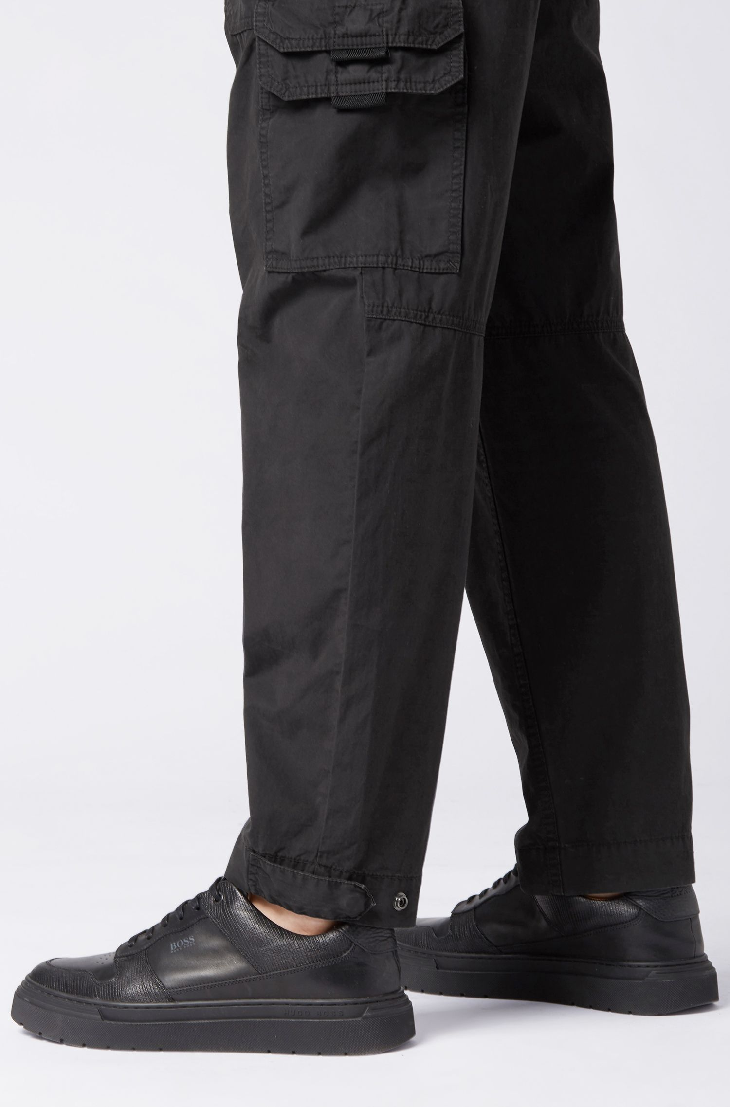 Tapered-fit cargobroek van double-dyed katoenen popeline, Zwart