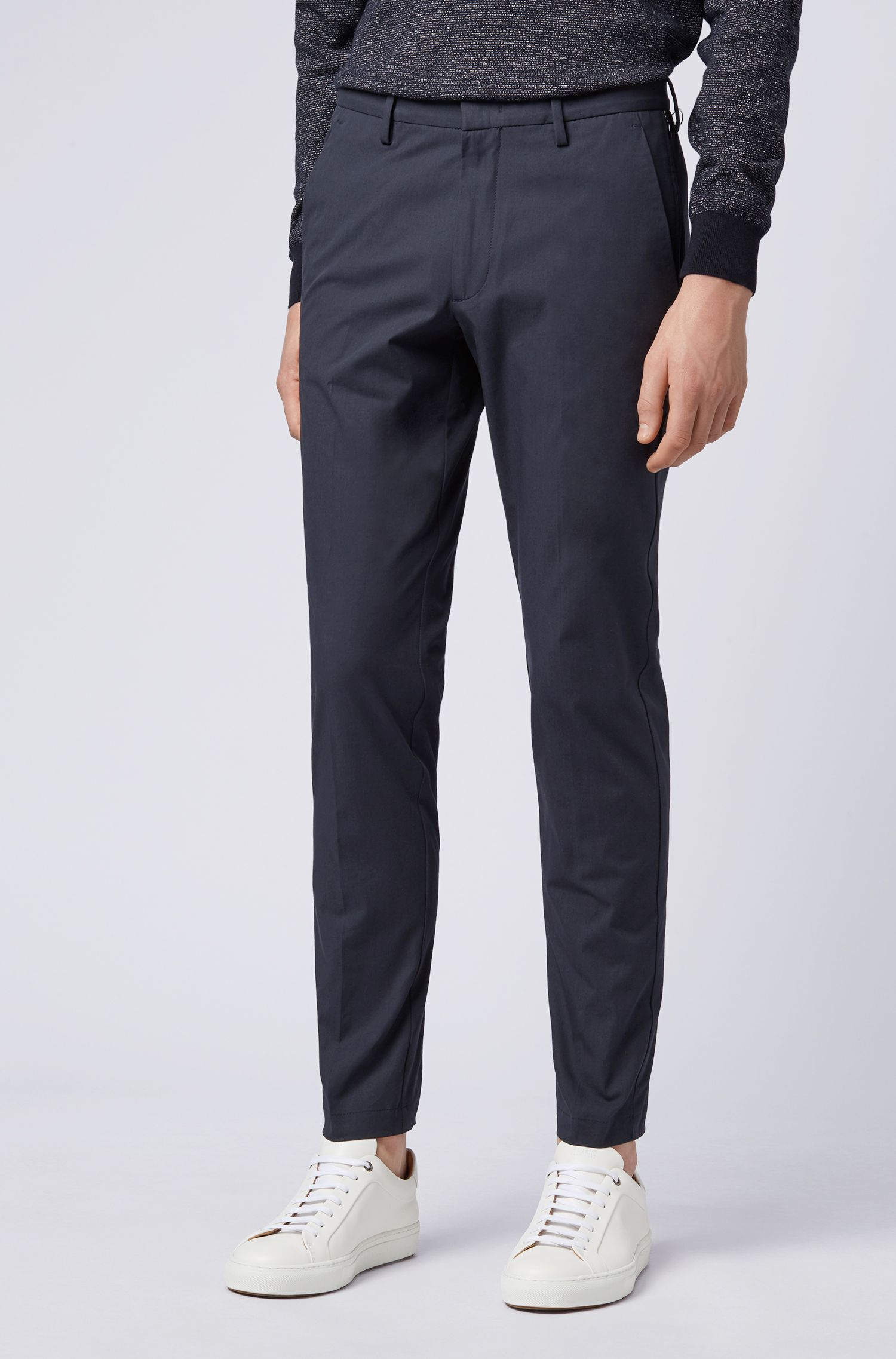 Slim-fit chinos in Italian stretch cotton with zipped pockets, Dark Blue