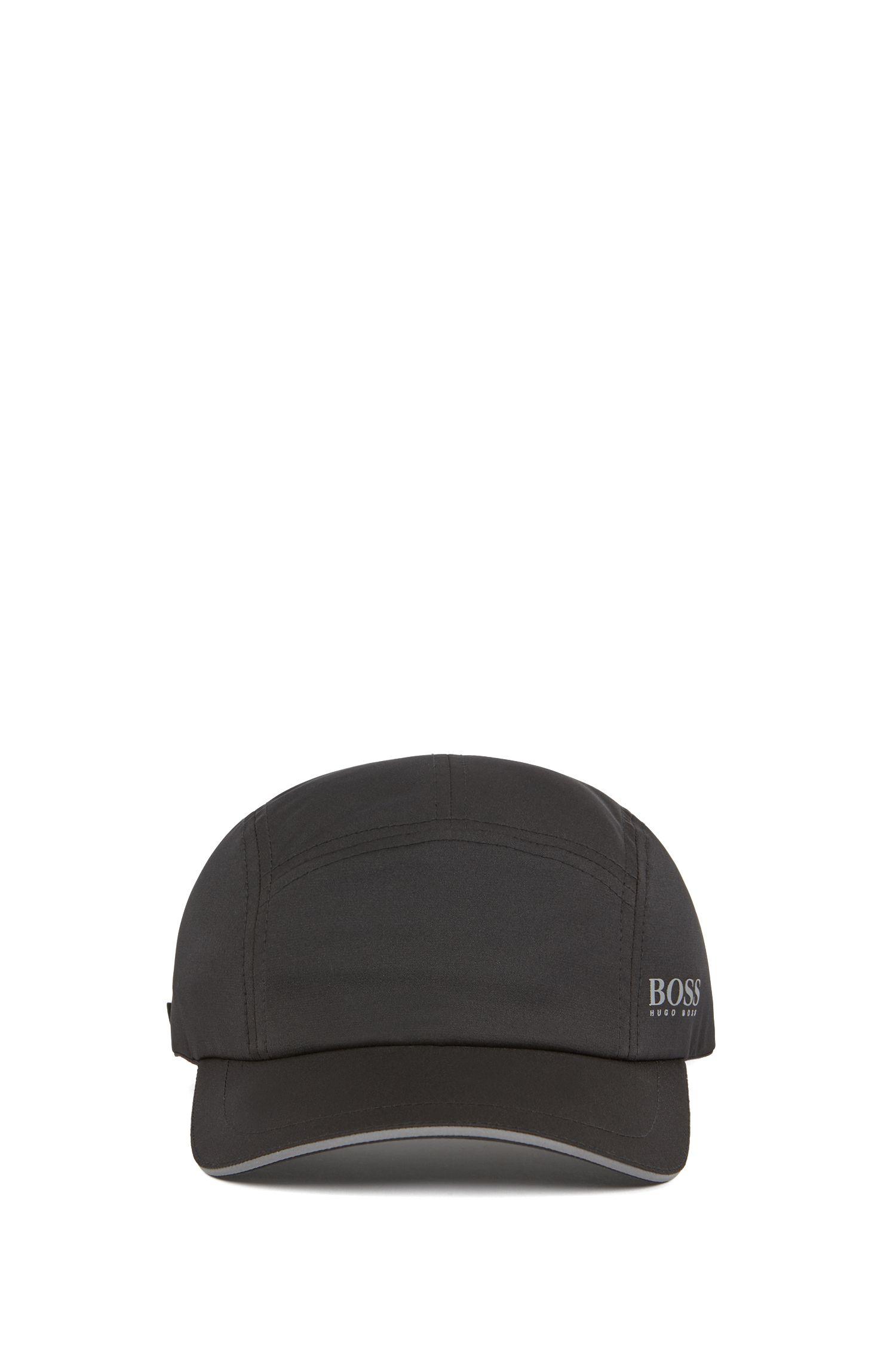 Cap mit kurzem Schirm und reflektierenden Details, Schwarz