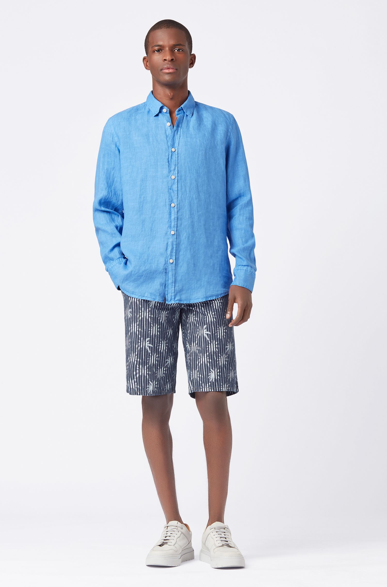 Camicia regular fit in popeline di lino trattato con tintura a pigmenti, Blu