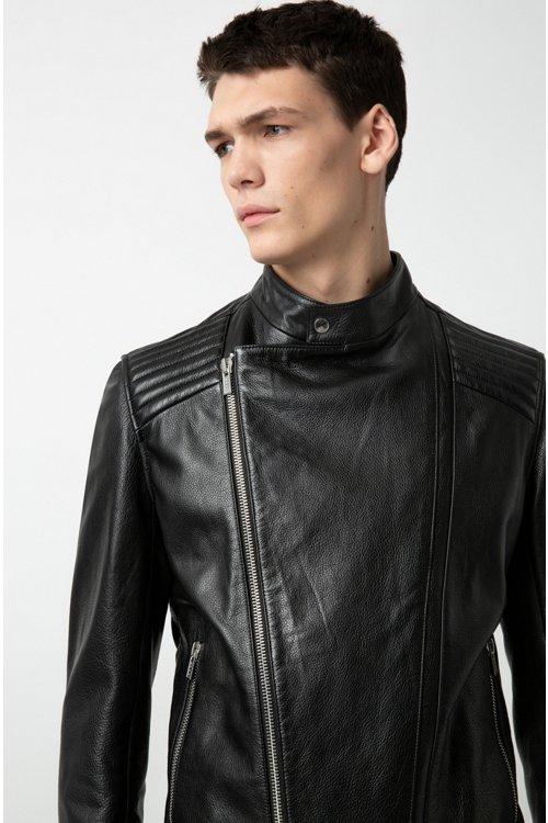 Hugo Boss - Lederjacke mit abgesteppten Schultern und asymmetrischem Reißverschluss - 3