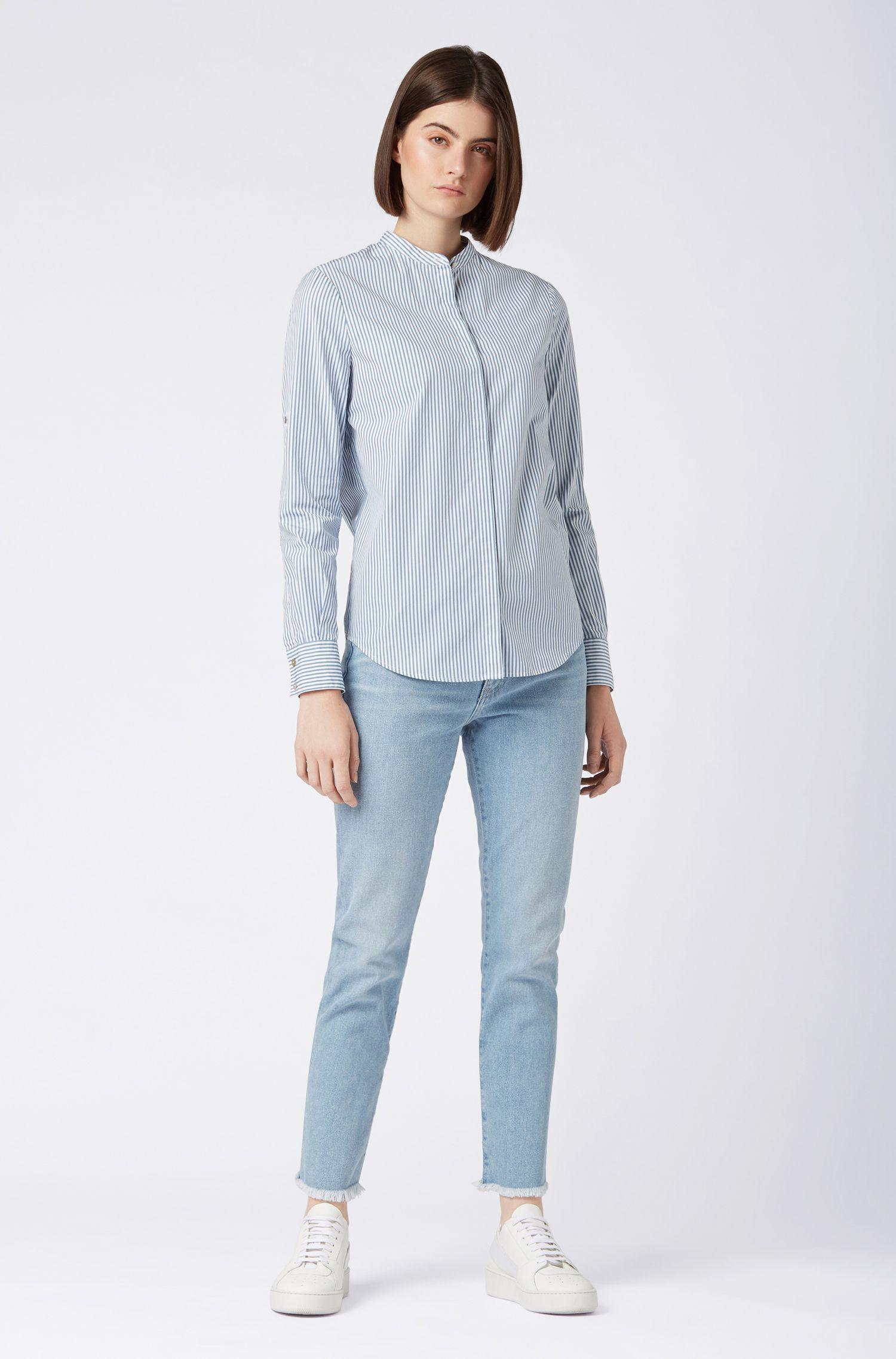 Relaxed-Fit Bluse aus gestreifter Baumwolle mit Stehkragen, Blau
