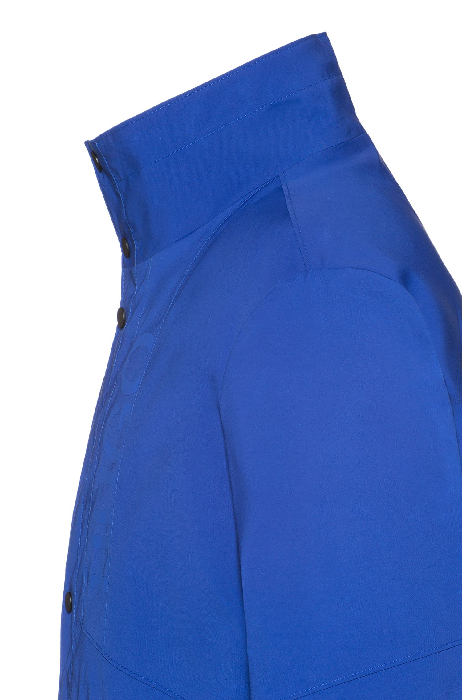 Waterafstotende mantel met logodecoratie en opstaande kraag, Blauw