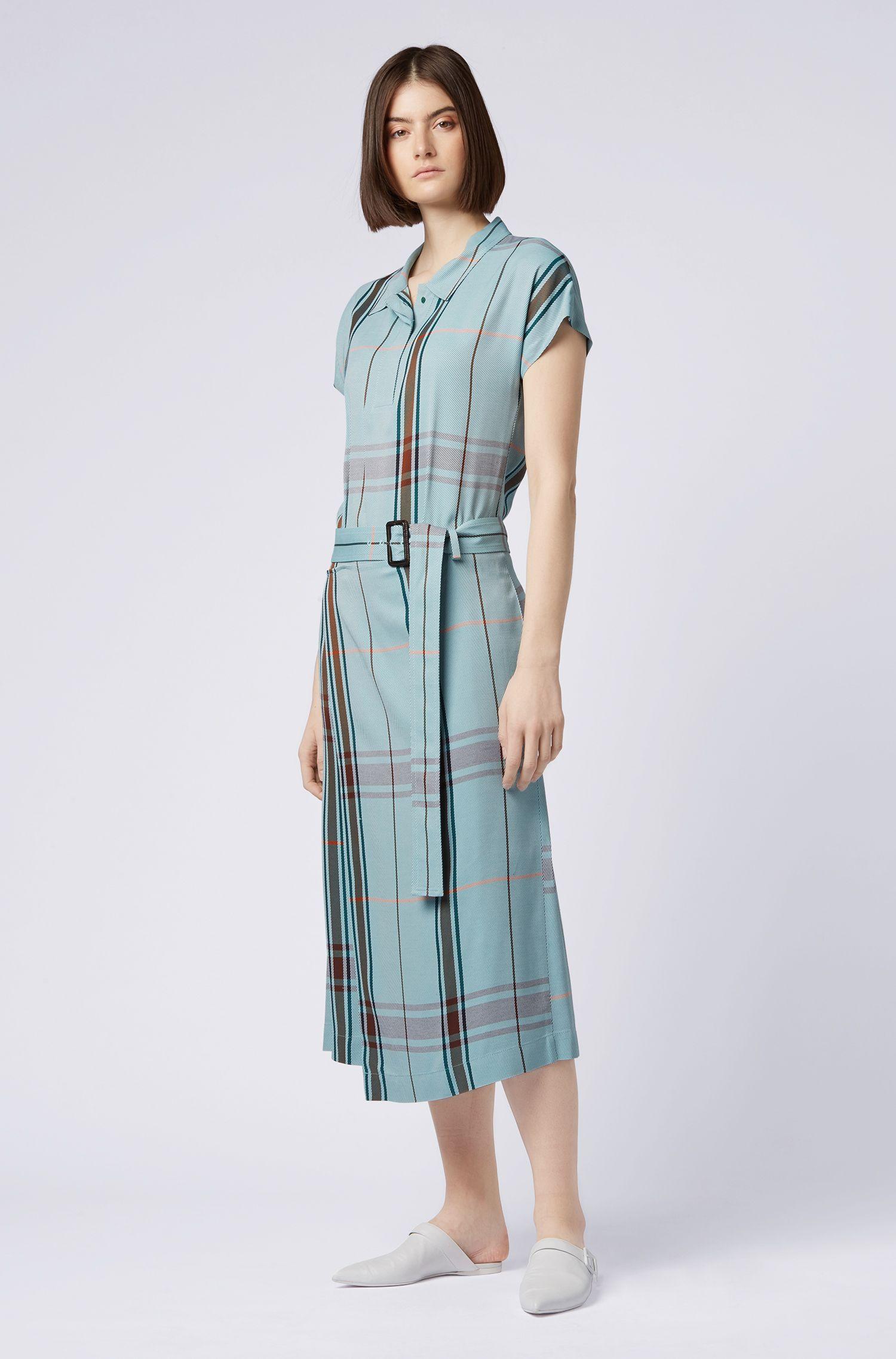 Robe-chemise Relaxed Fit à carreaux, avec jupe portefeuille, Fantaisie