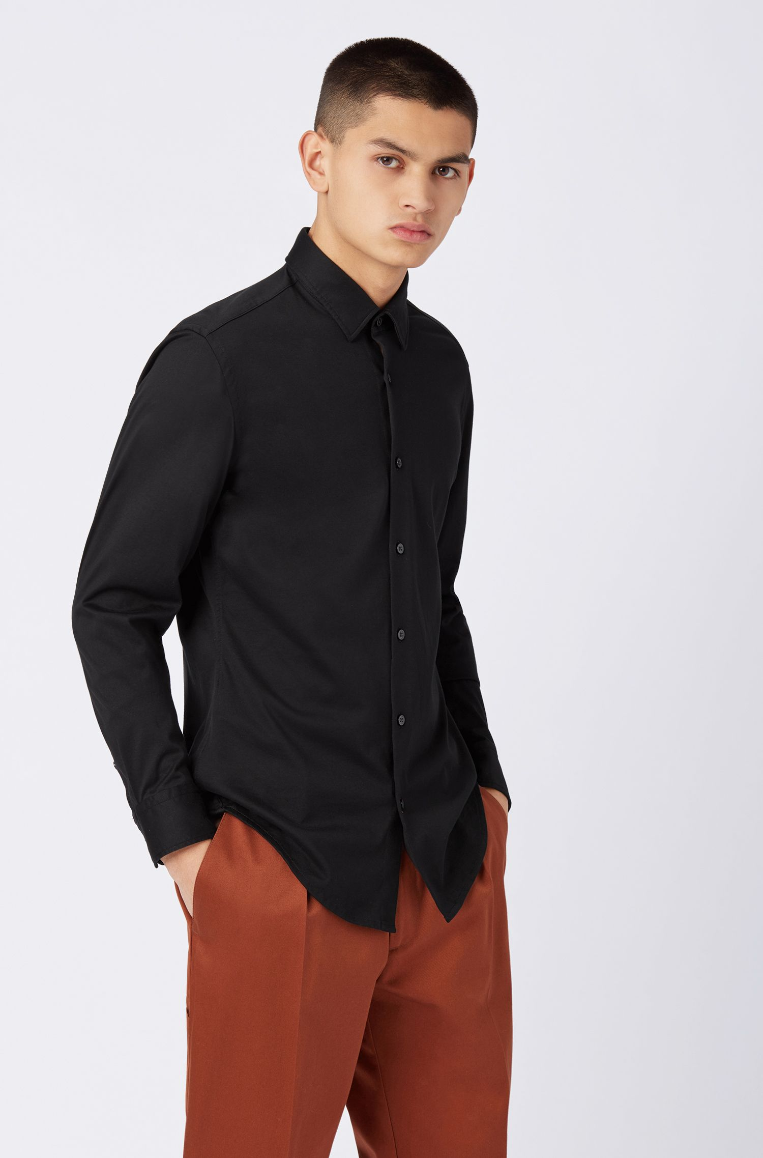 Slim-Fit Hemd aus Baumwoll-Jersey mit Kontrast-Details, Schwarz