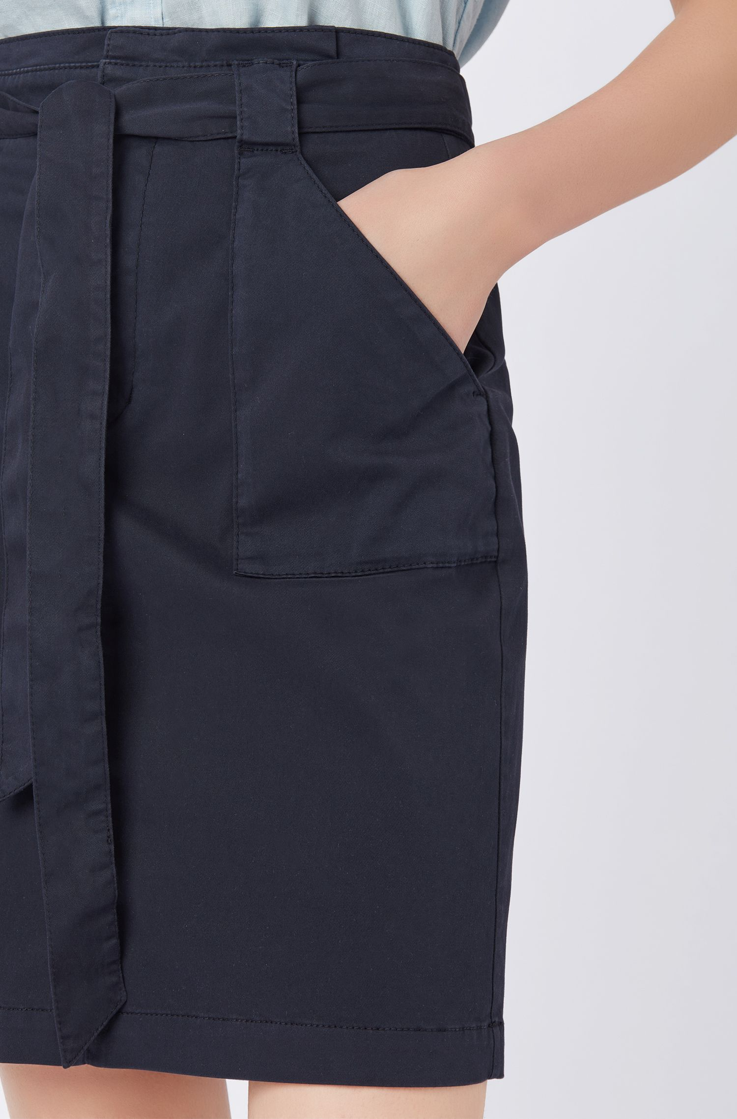 Regular-fit chinorok van stretchkatoen met hoge taille, Donkerblauw