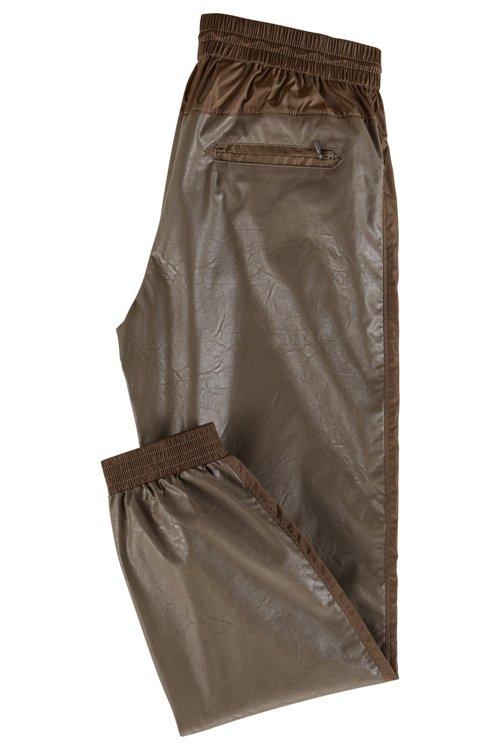 Hugo Boss - Pantalones de chándal regular fit de piel sintética con puños en los bajos - 3