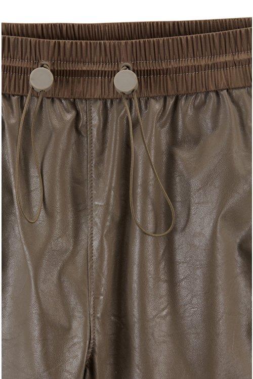 Hugo Boss - Pantalones de chándal regular fit de piel sintética con puños en los bajos - 4