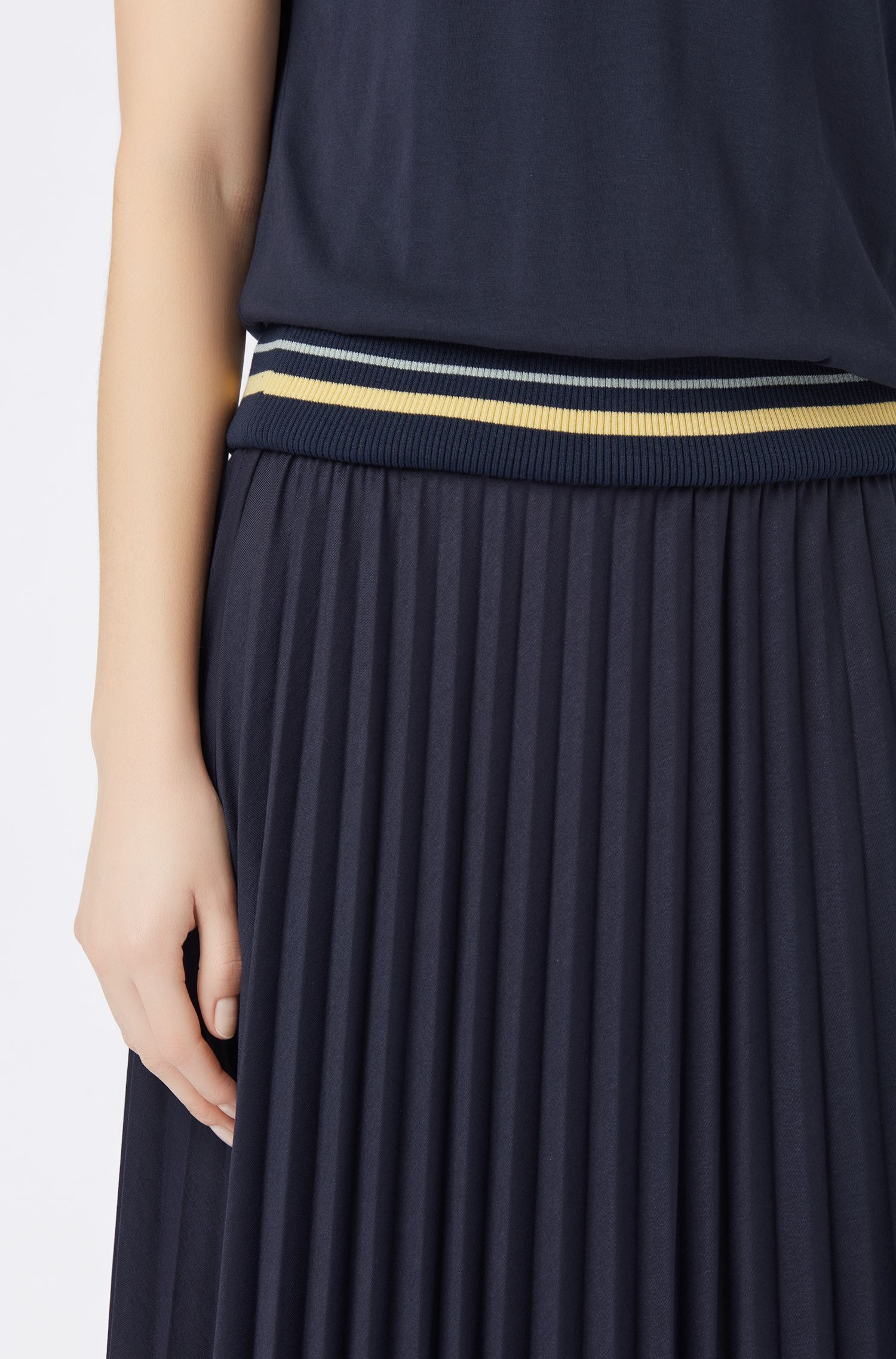 T-shirt dress with plissé skirt and ribbed waistband, Dark Blue