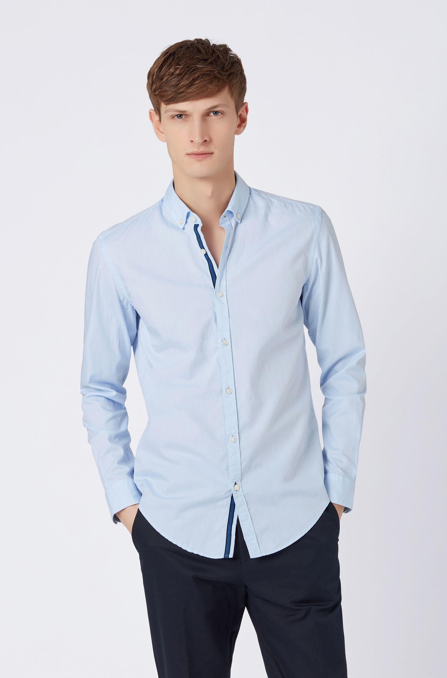 Slim-Fit Hemd mit Kontrast-Tape und Button-Down-Kragen, Hellblau