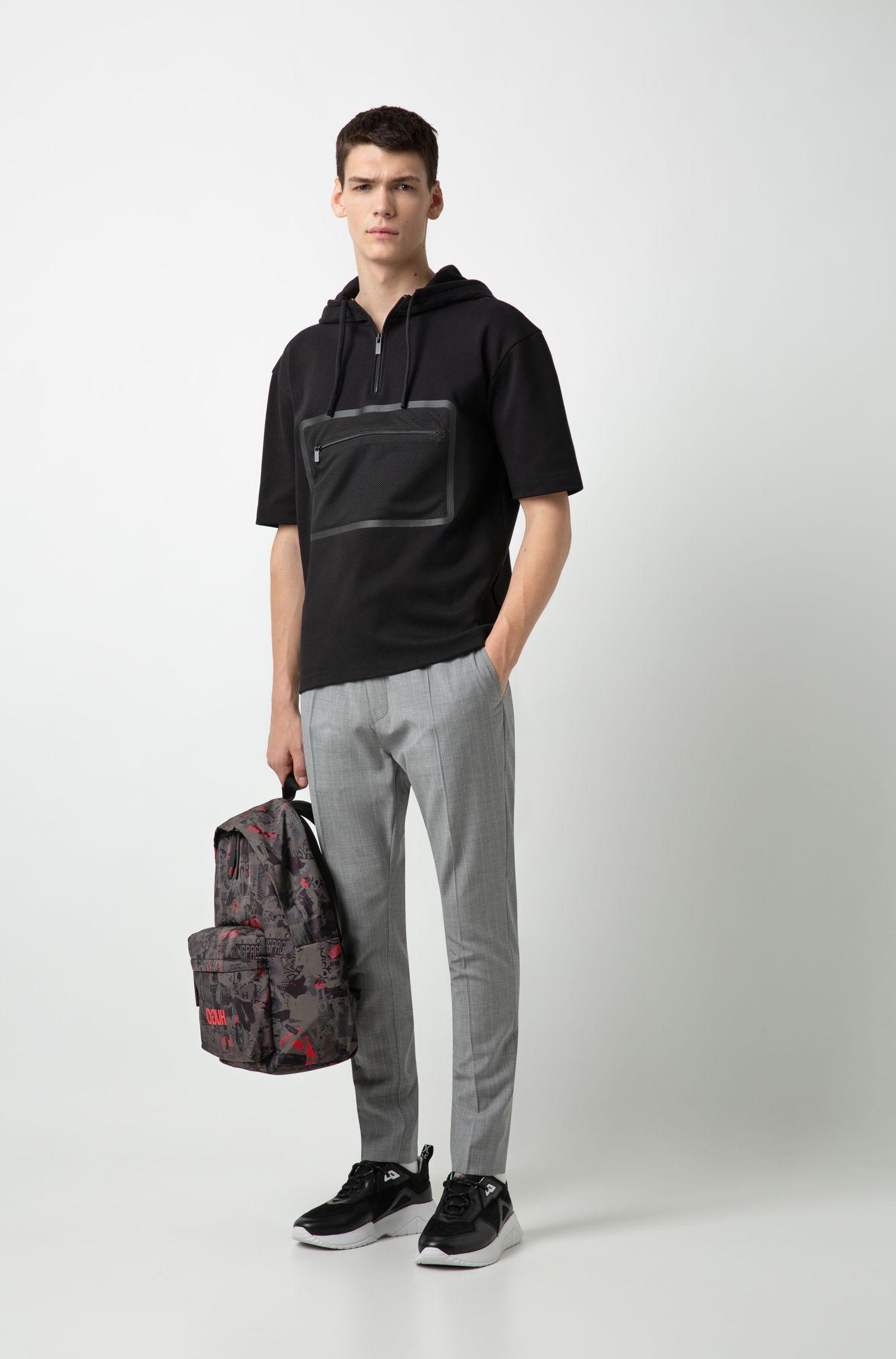 Sudadera de manga corta relaxed fit con bolsillo de malla en el pecho, Negro